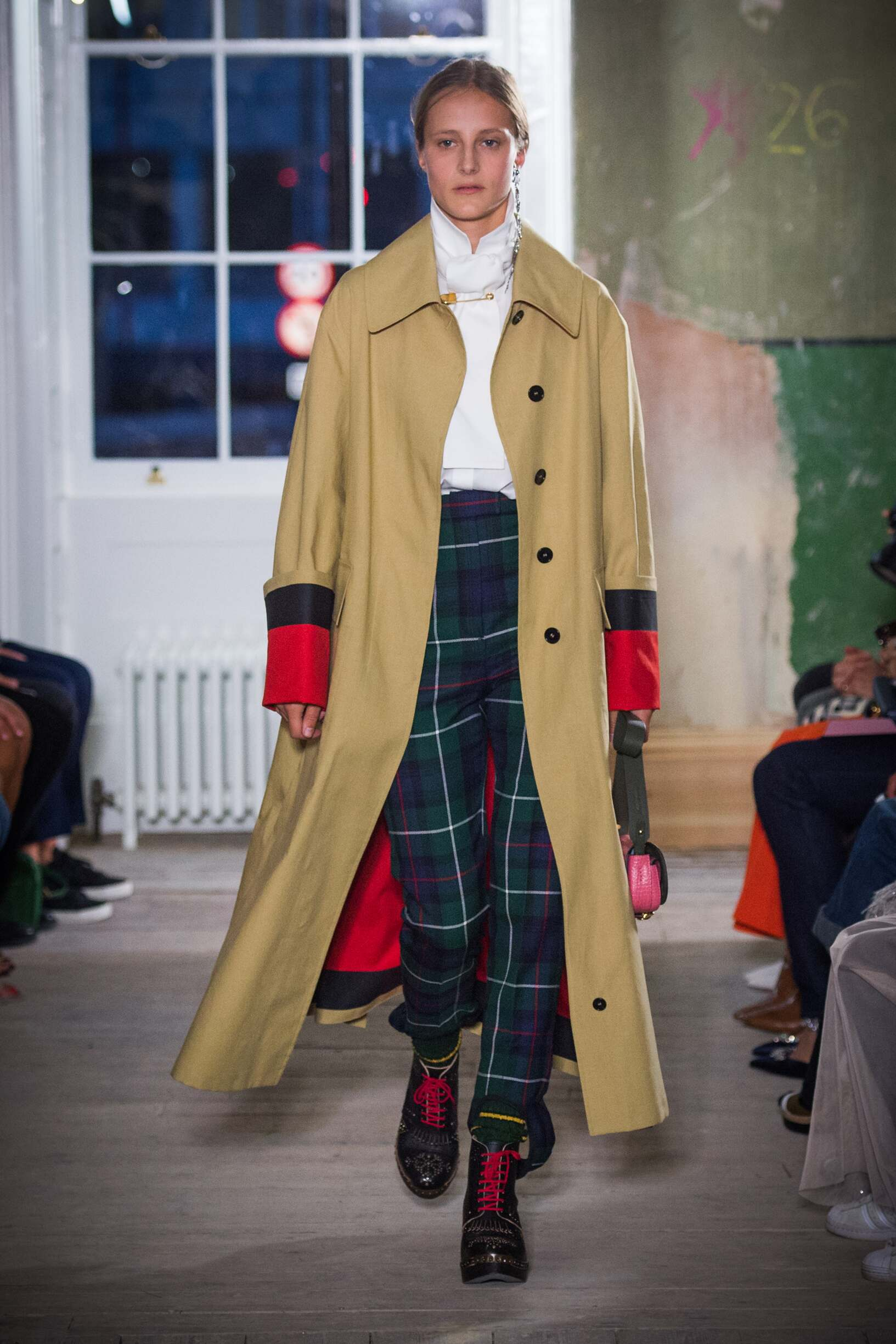 Burberry September 2017 Collection Look 56 London Fashion Week