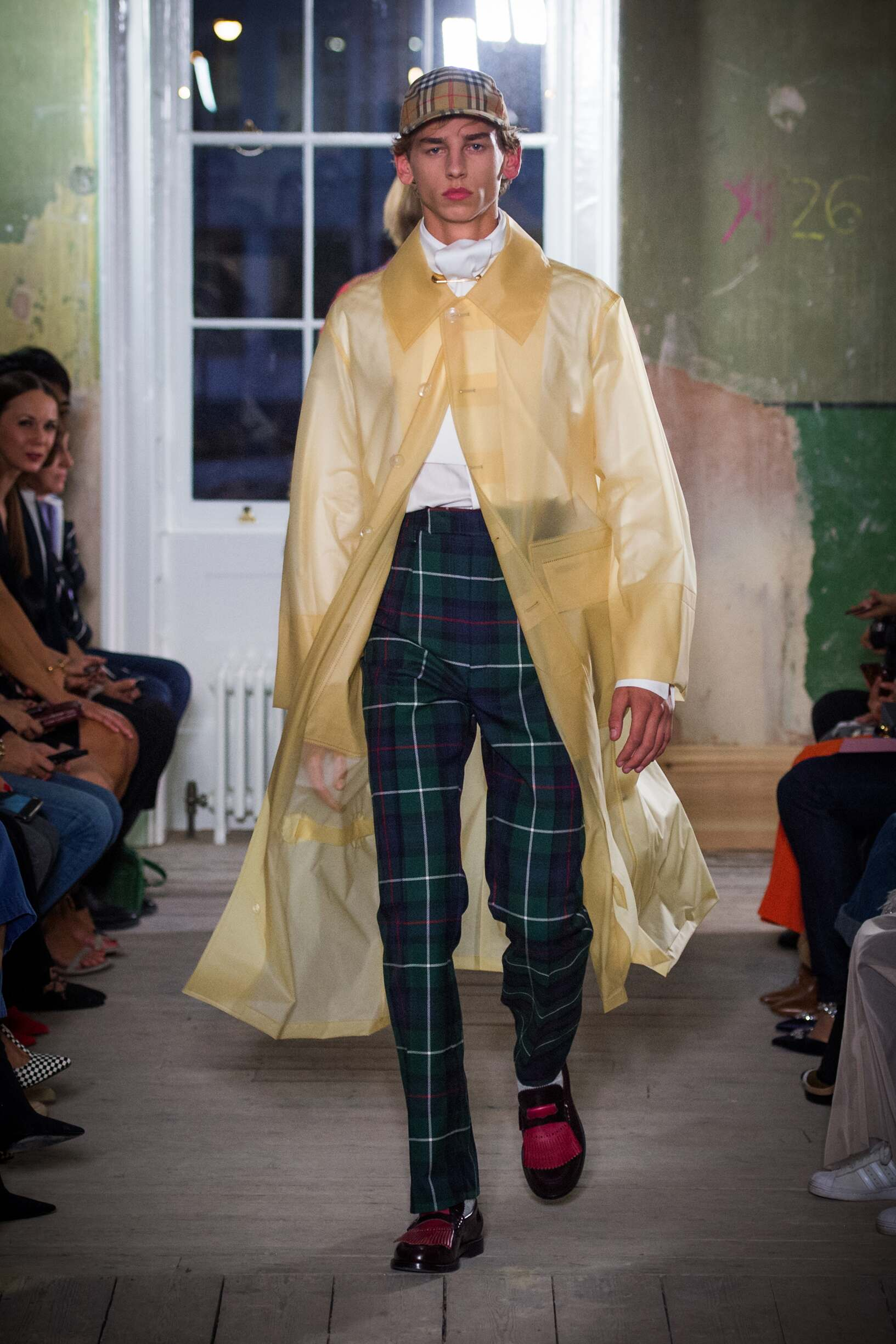 Burberry September 2017 Collection Look 76 London Fashion Week
