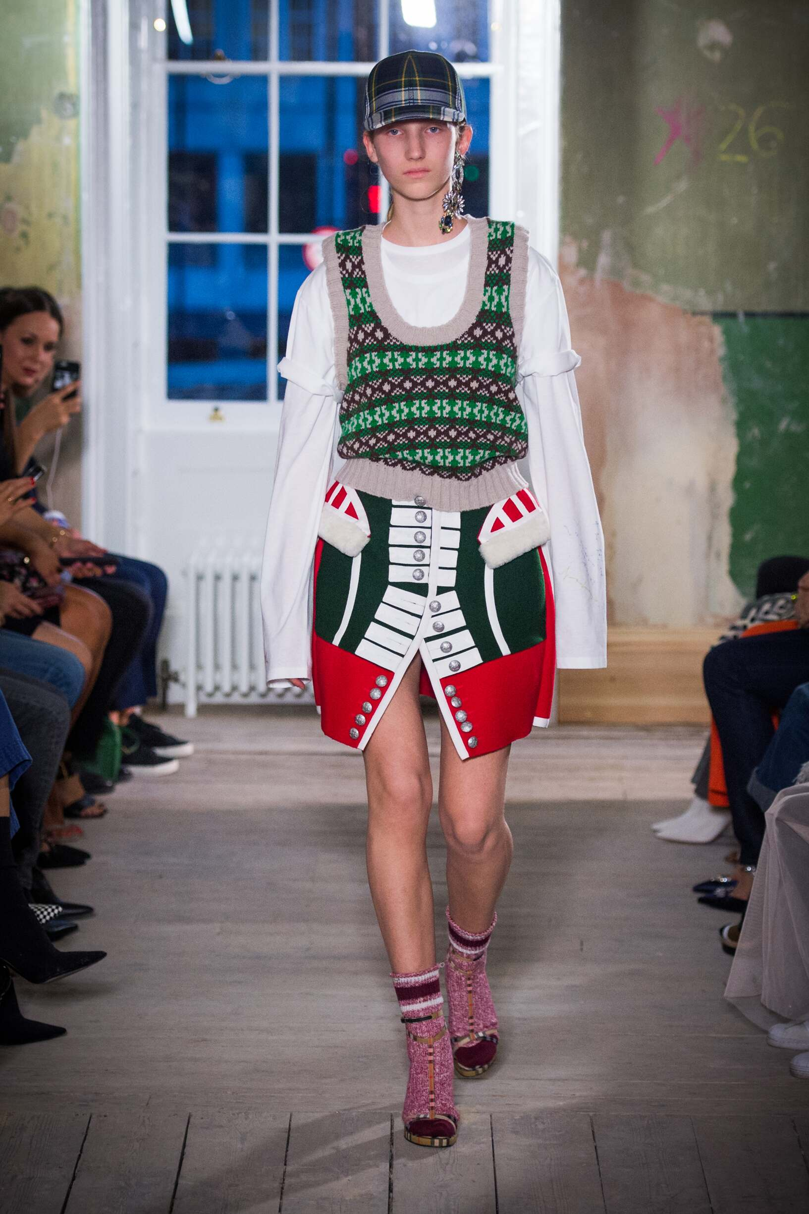 Burberry September 2017 Collection Look 9 London Fashion Week