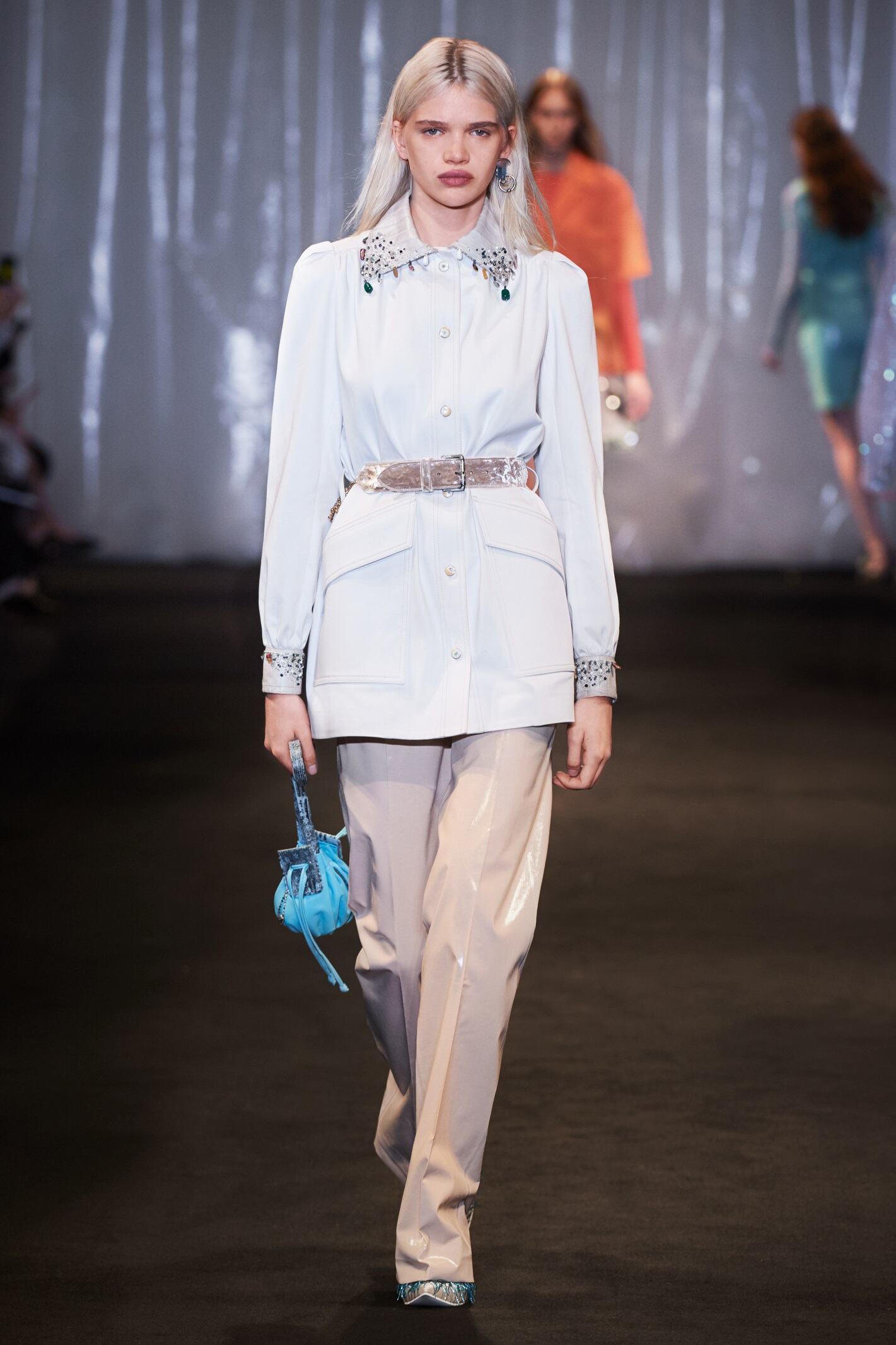 2018 Catwalk Acne Studios Woman Fashion Show Summer