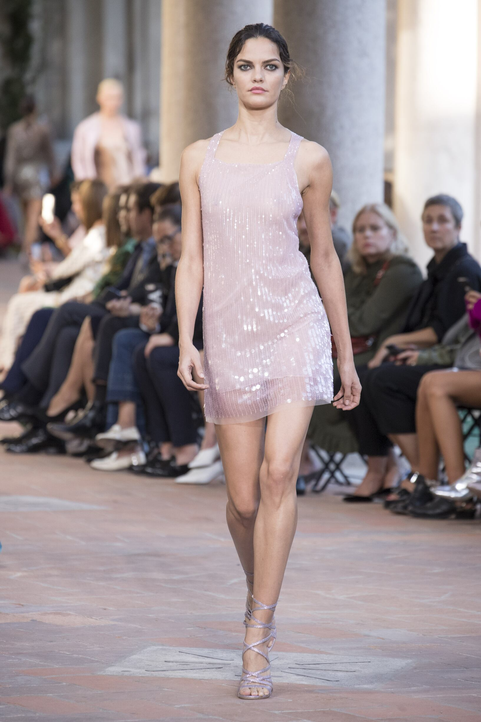 2018 Catwalk Alberta Ferretti Woman Fashion Show Summer