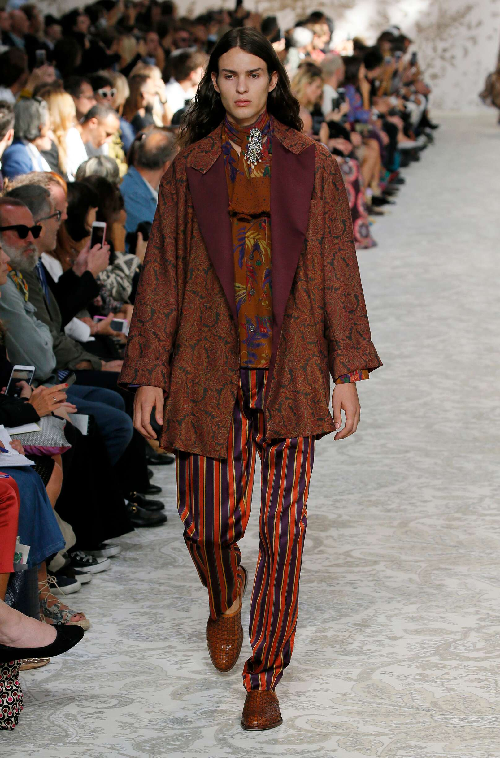 2018 Catwalk Etro Man Fashion Show Summer