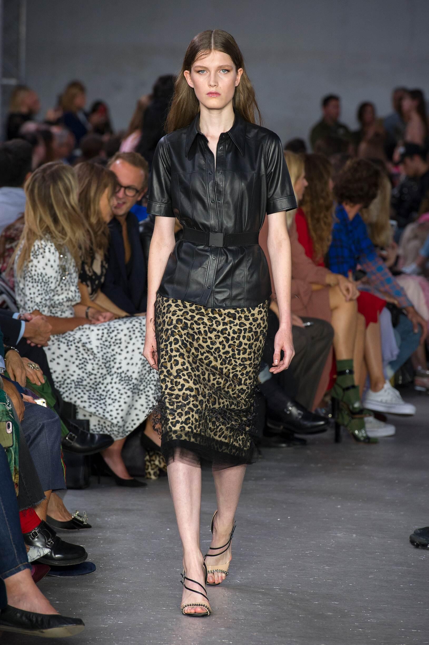2018 Catwalk N°21 Woman Fashion Show Summer