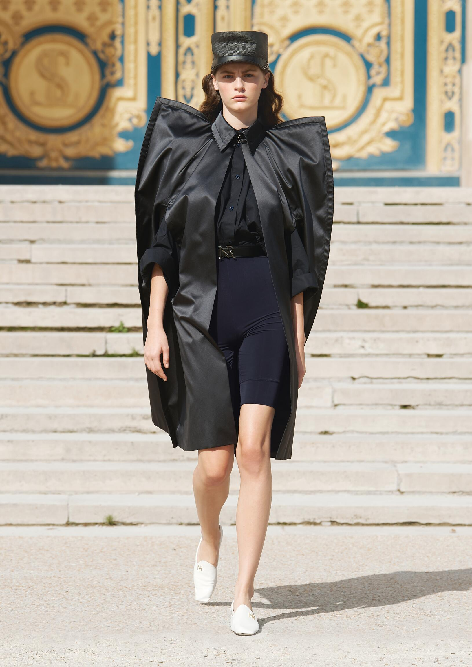 2018 Catwalk Nina Ricci Woman Fashion Show Summer
