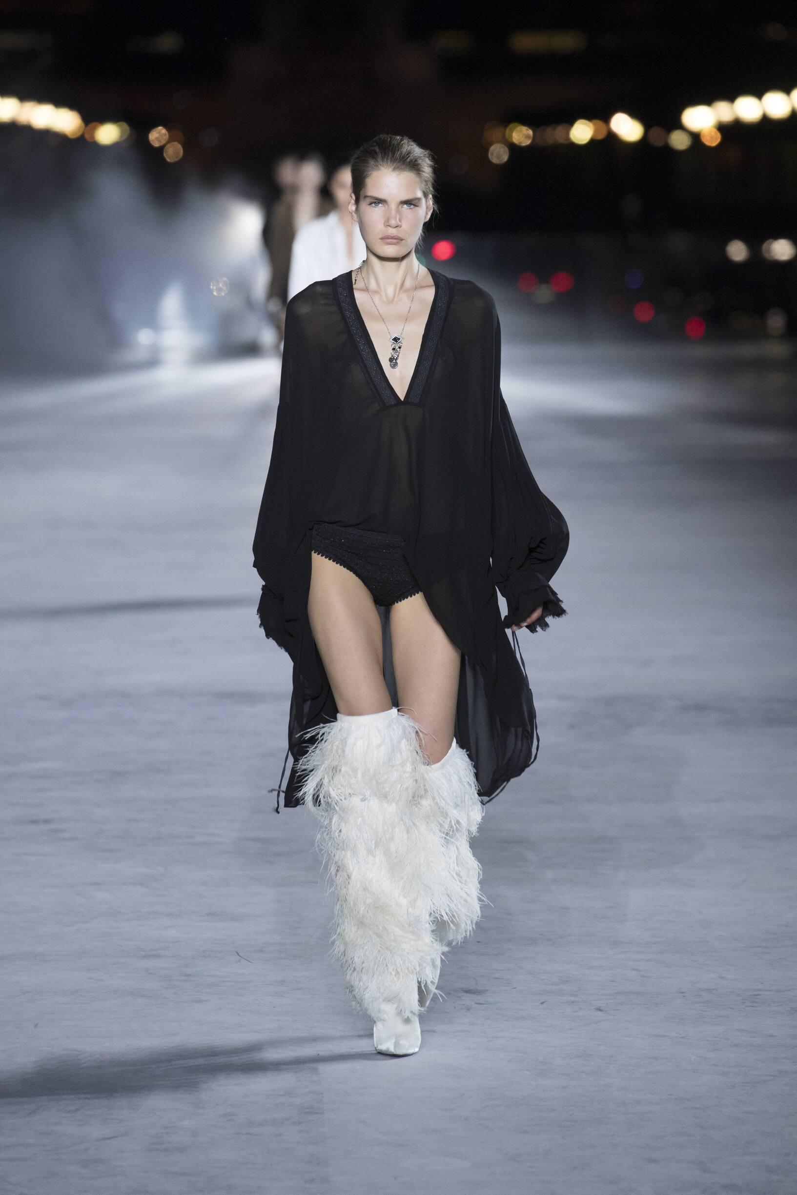 2018 Catwalk Saint Laurent Woman Fashion Show Summer
