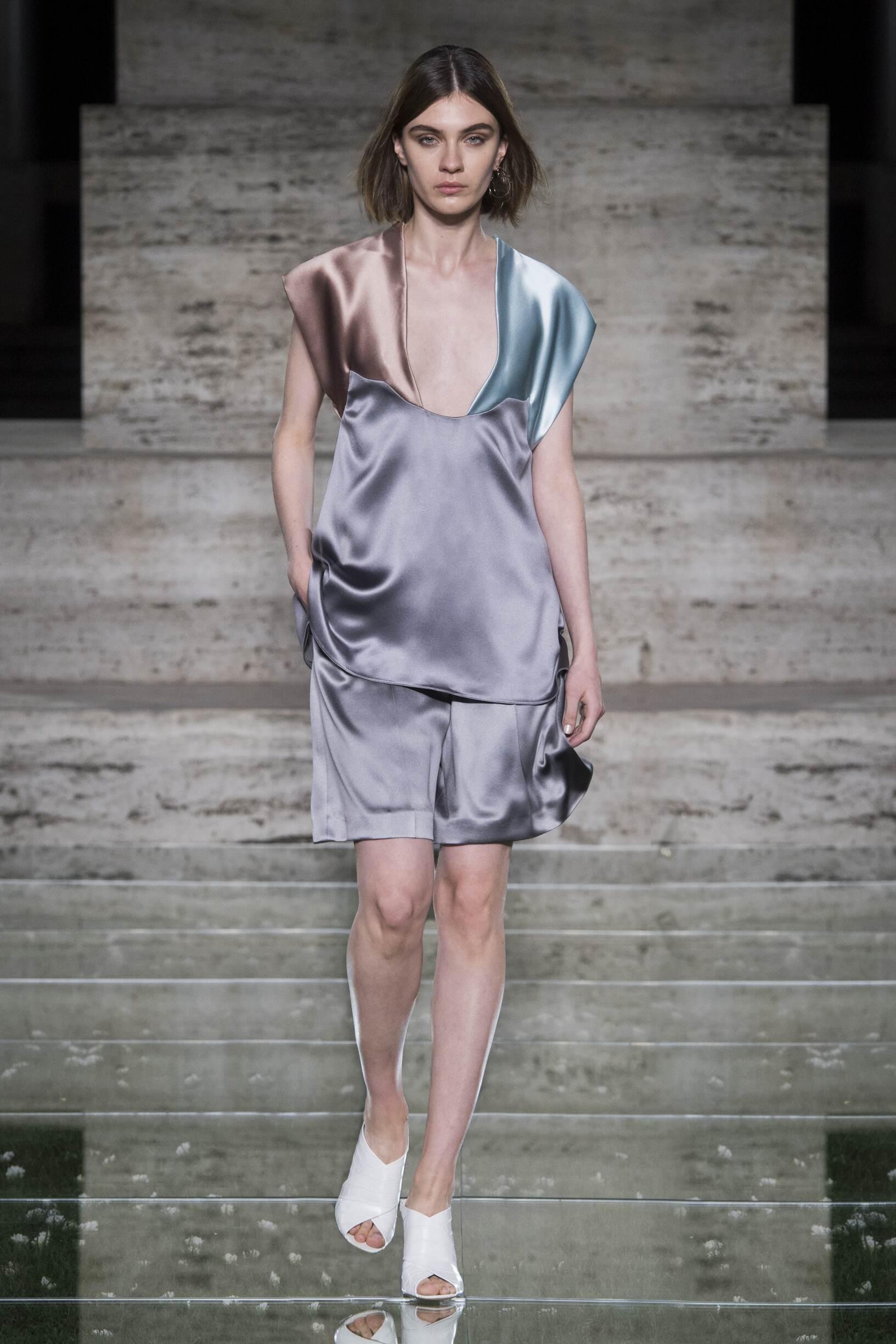 2018 Salvatore Ferragamo Spring Summer Woman