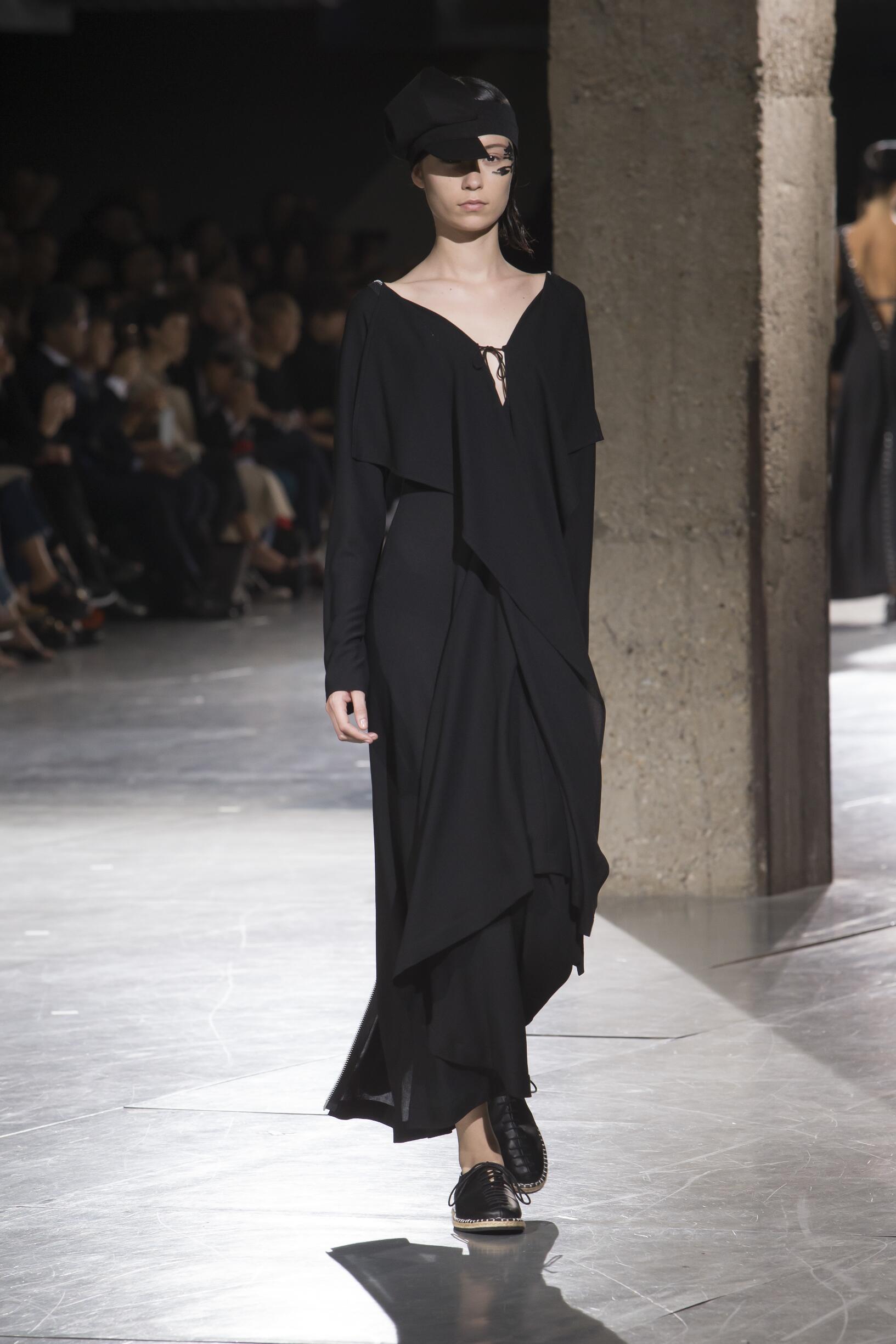 2018 Woman Style Yohji Yamamoto