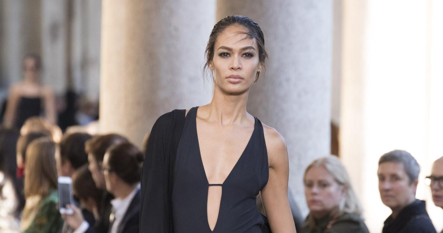 Alberta Ferretti Fashion Show SS 2018 Milan