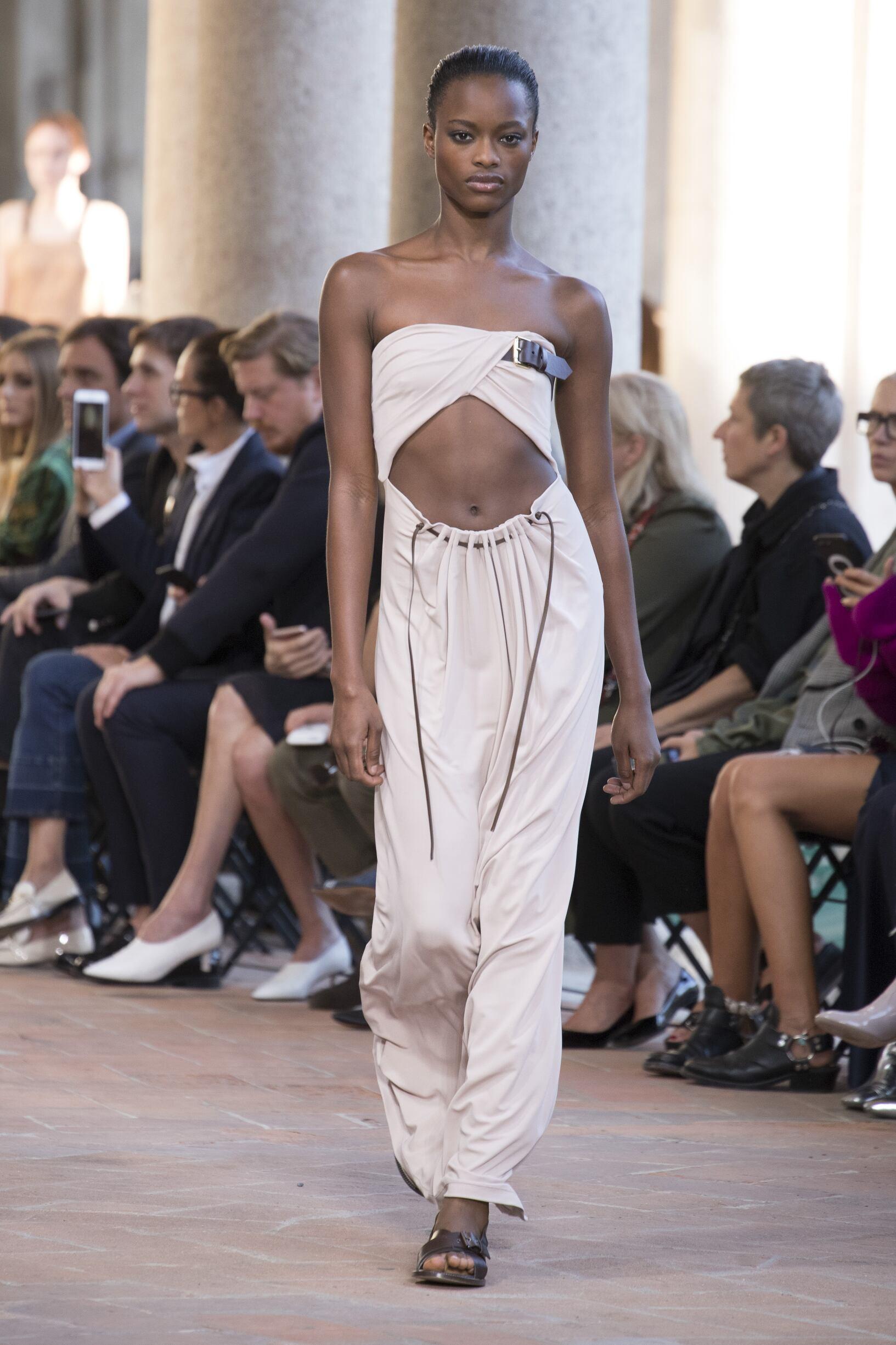 Alberta Ferretti SS 2018 Womenswear