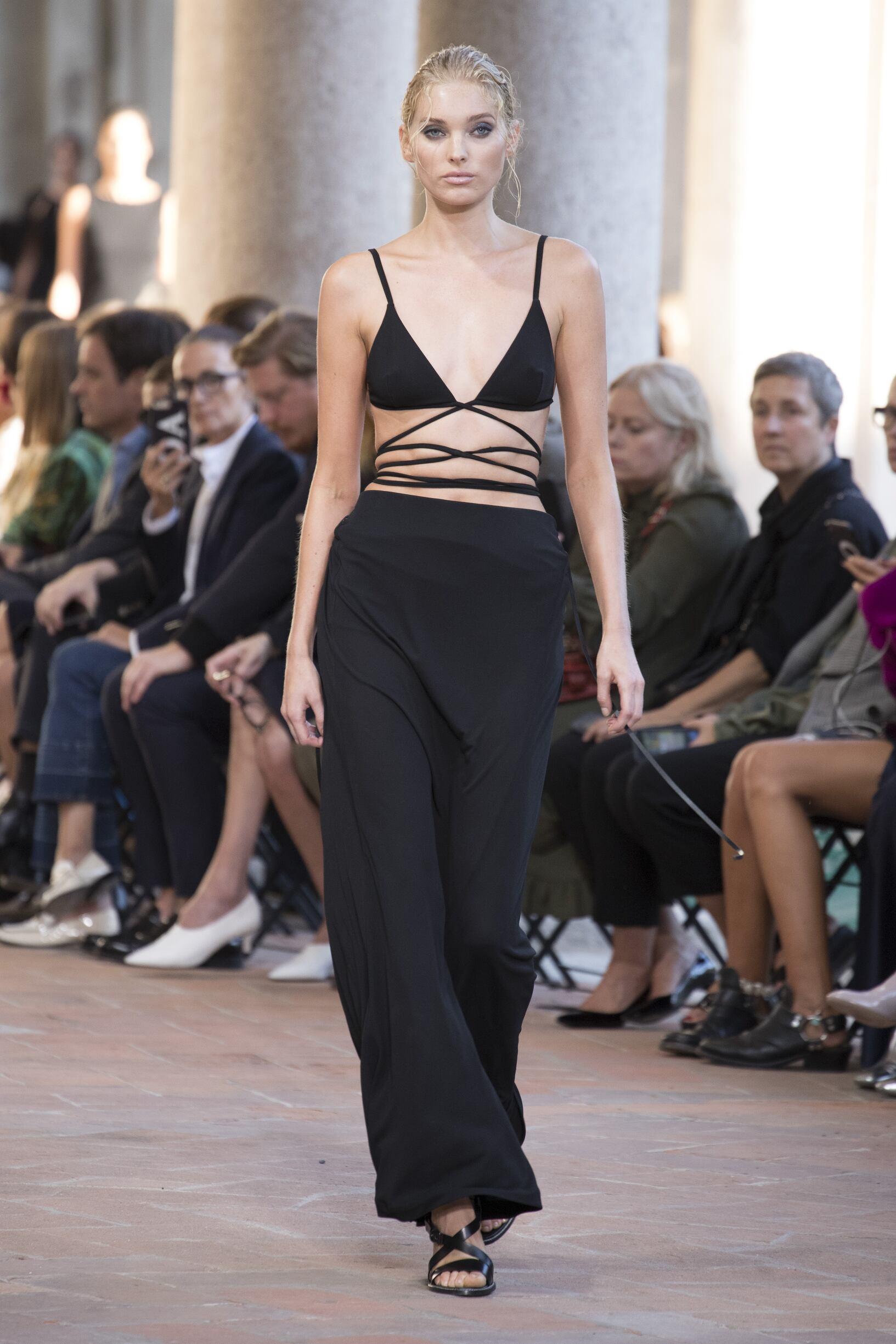 Alberta Ferretti Spring Summer 2018 Womens Collection Milan Fashion Week