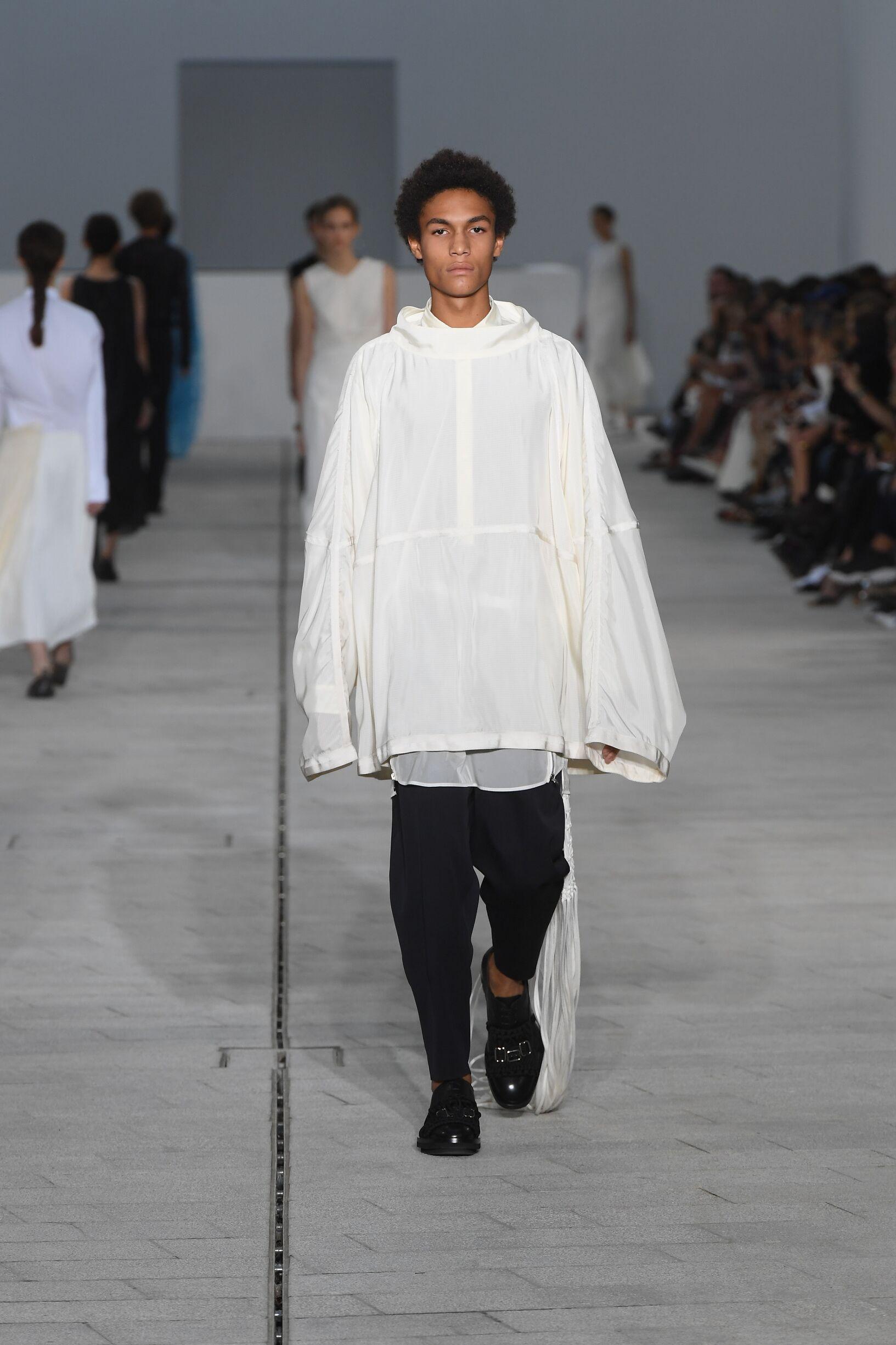Catwalk Jil Sander Man Fashion Show Summer 2018