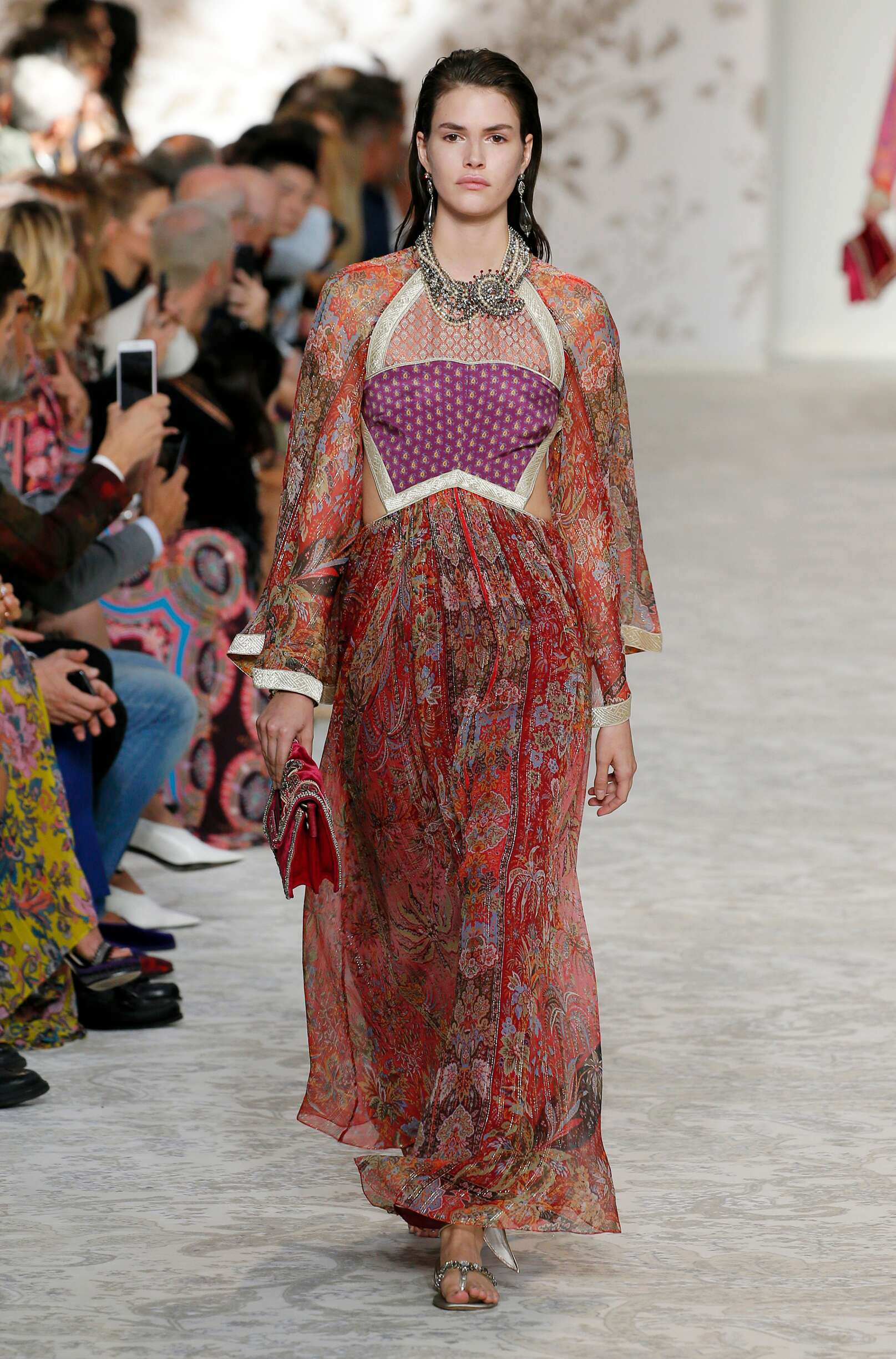 Fashion 2018 Catwalk Etro Summer Woman Collection