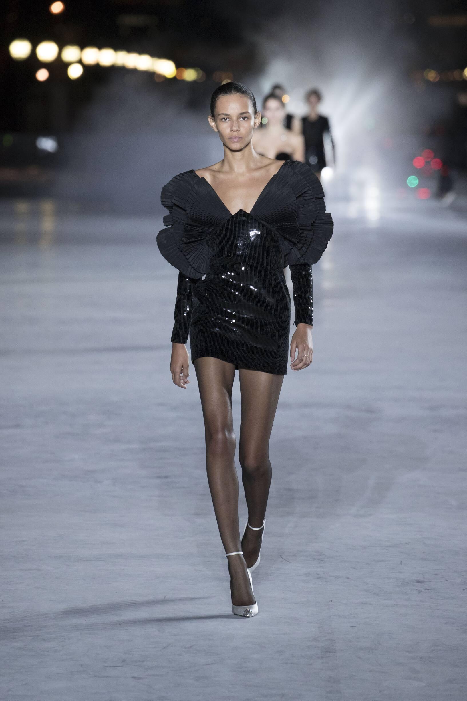 Fashion 2018 Runway Saint Laurent Summer Woman