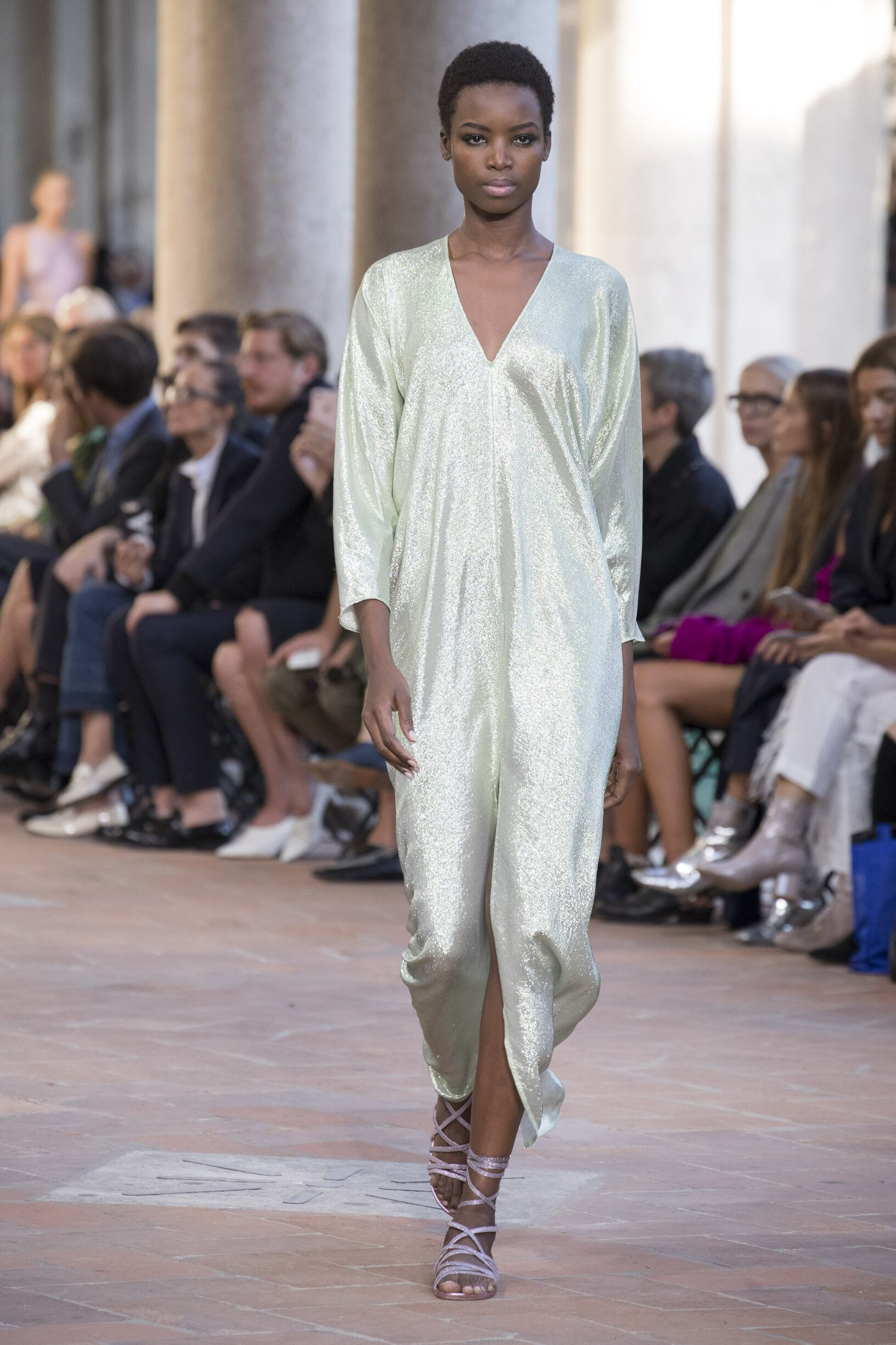Fashion 2018 Runway Woman Alberta Ferretti Summer