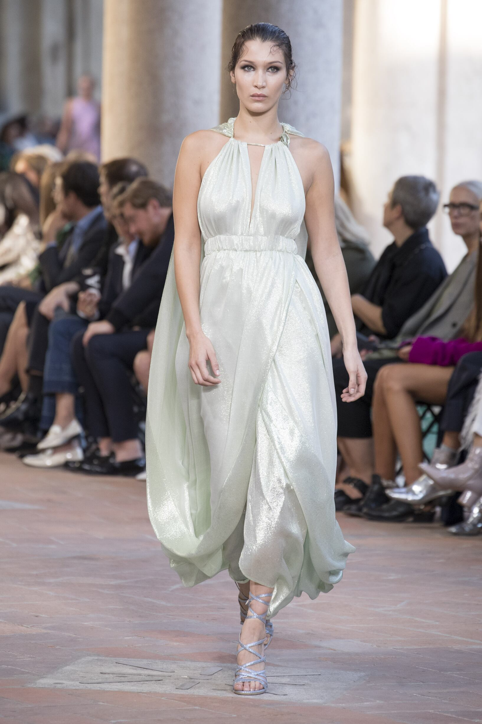 Fashion 2018 Woman Style Alberta Ferretti