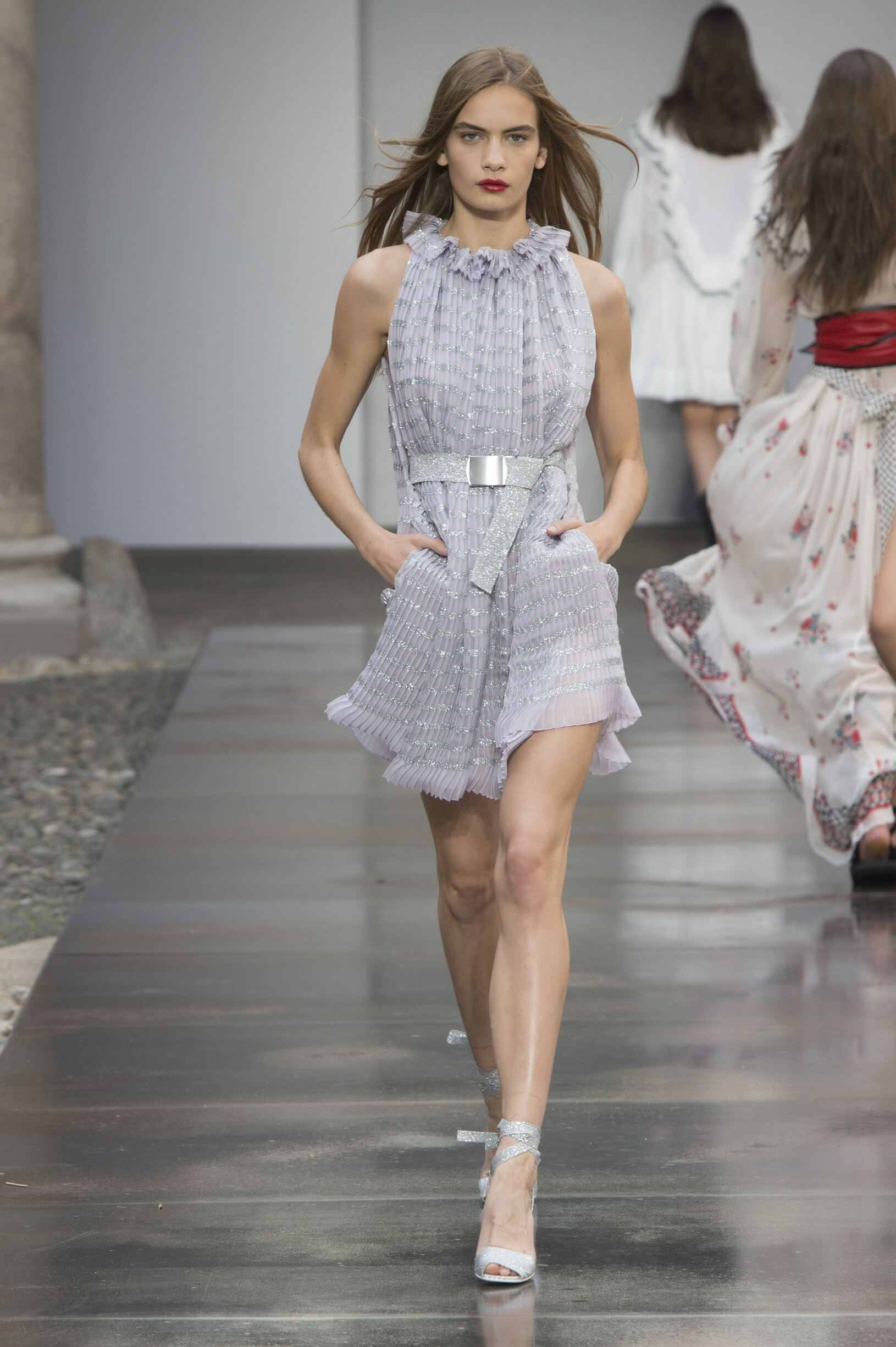 Fashion 2018 Woman Style Philosophy di Lorenzo Serafini