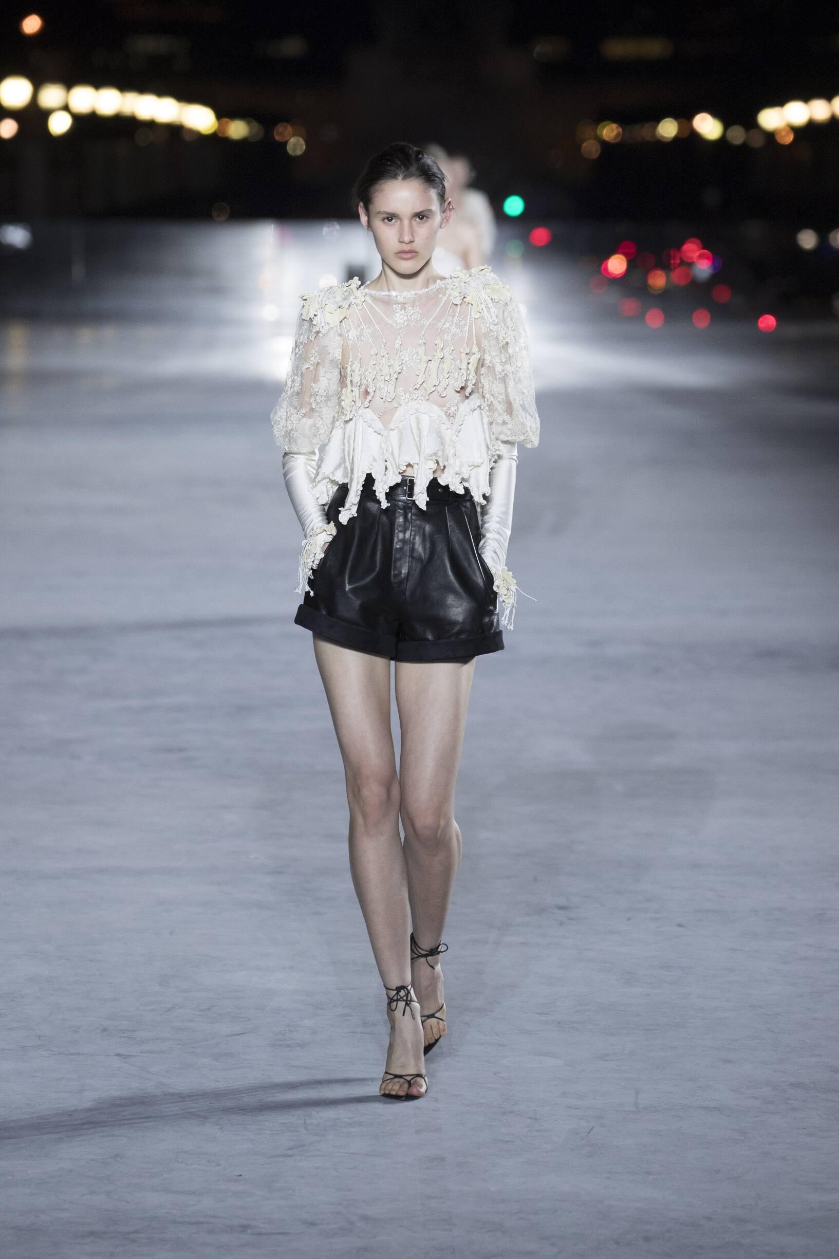 Fashion 2018 Woman Style Saint Laurent