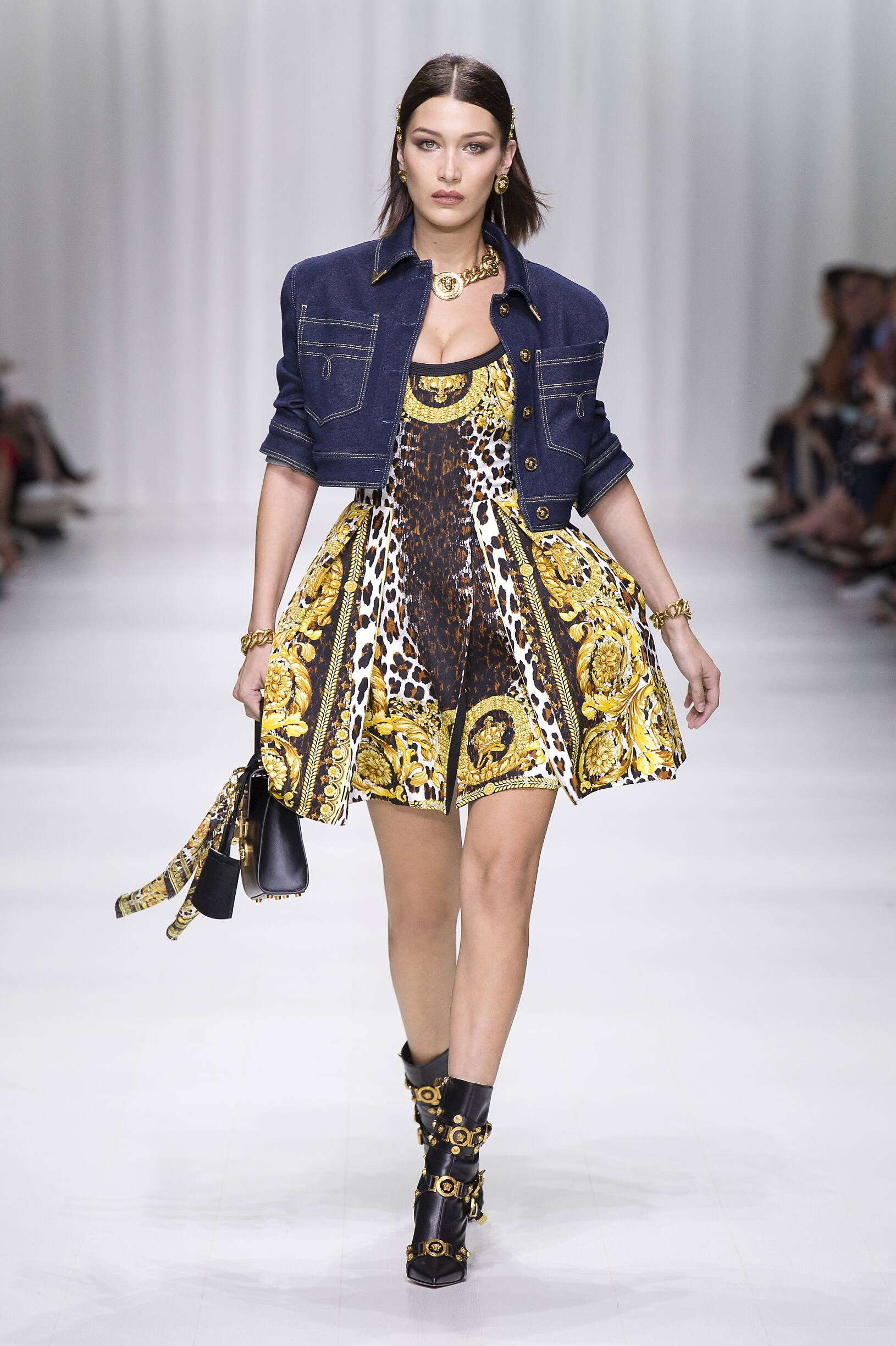 Fashion Model Png Free Download: VERSACE SPRING SUMMER 2018 WOMEN'S COLLECTION