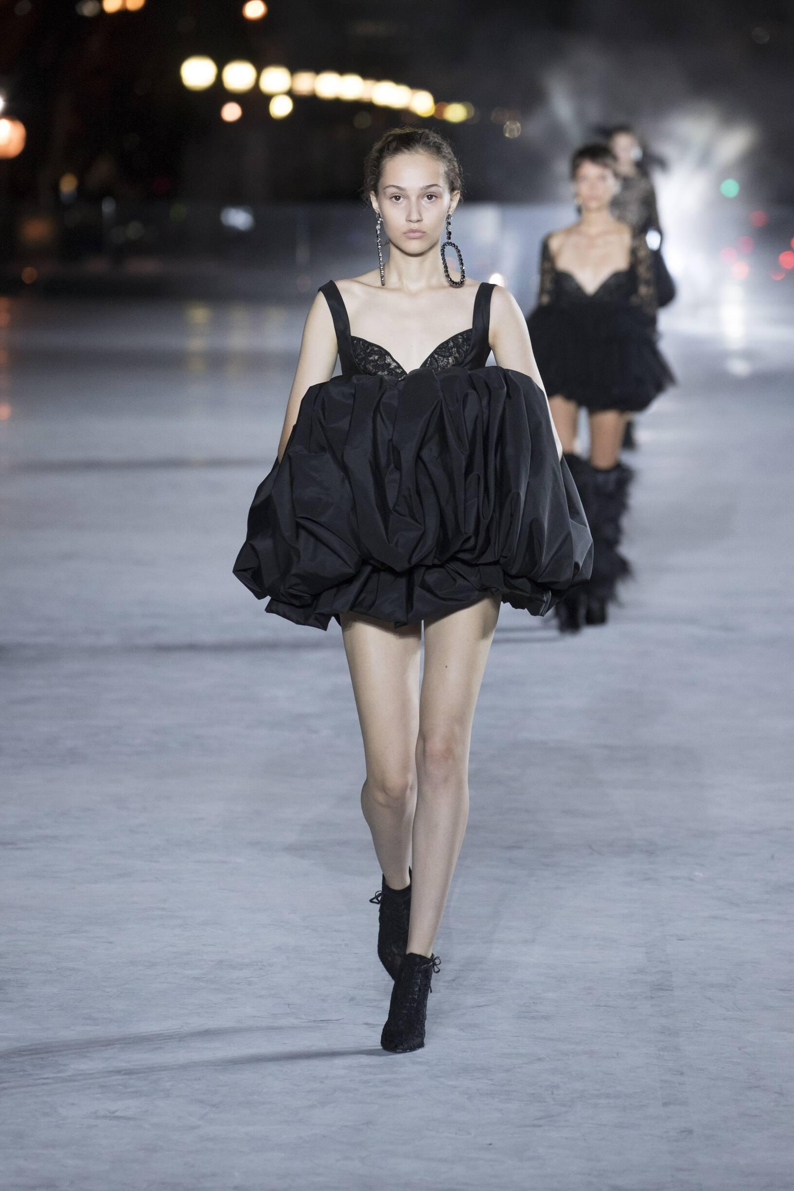 Fashion Week 2018 Catwalk Saint Laurent