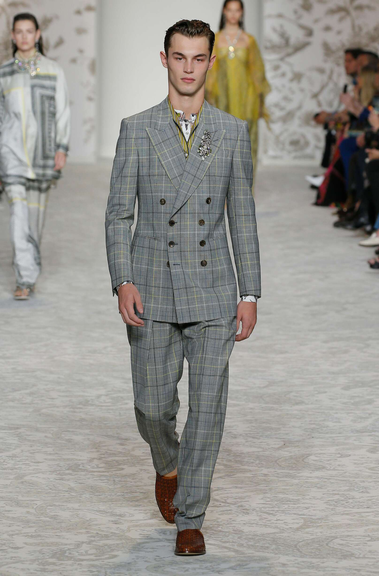 Man Catwalk Etro Summer 2018