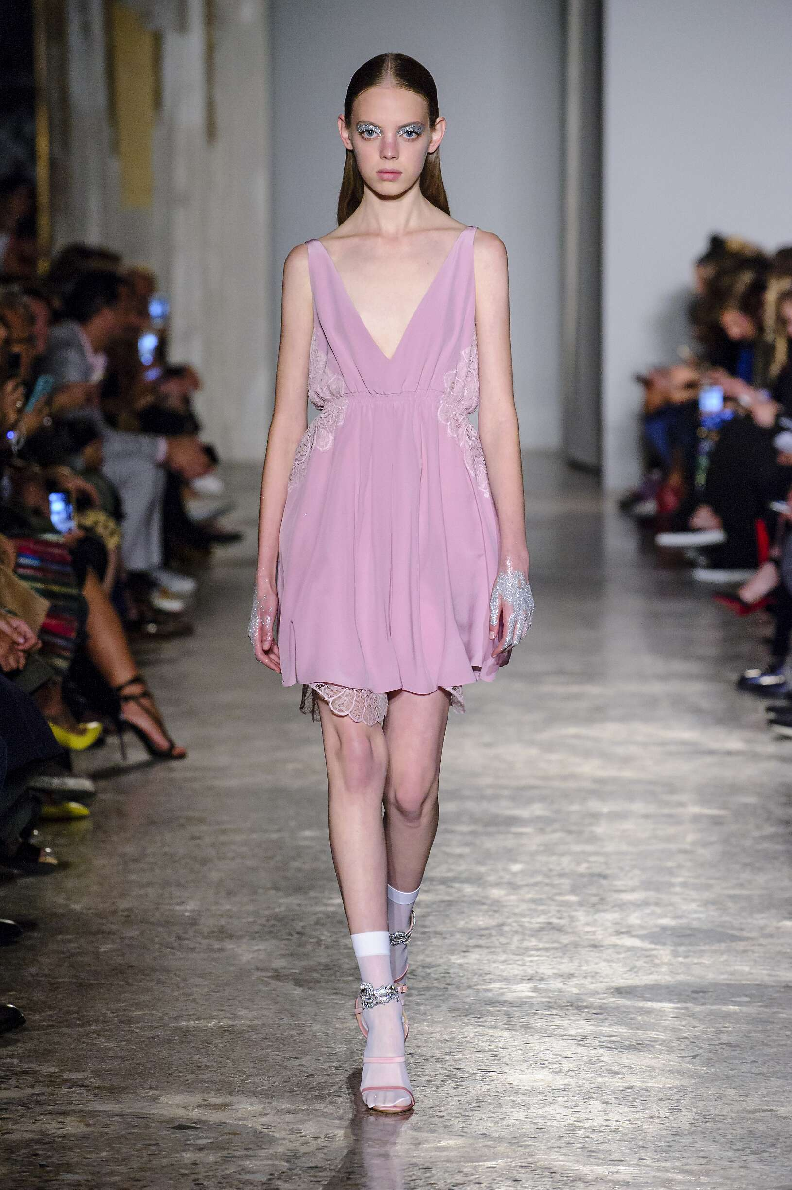 Model Fashion Show Francesco Scognamiglio