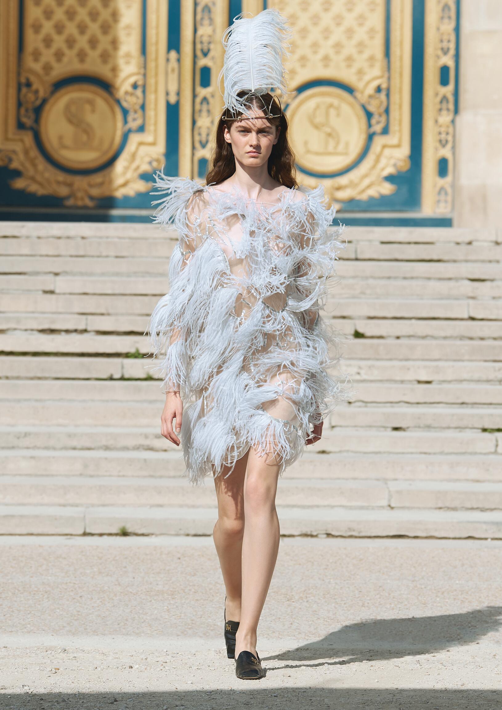 Model Fashion Show Nina Ricci