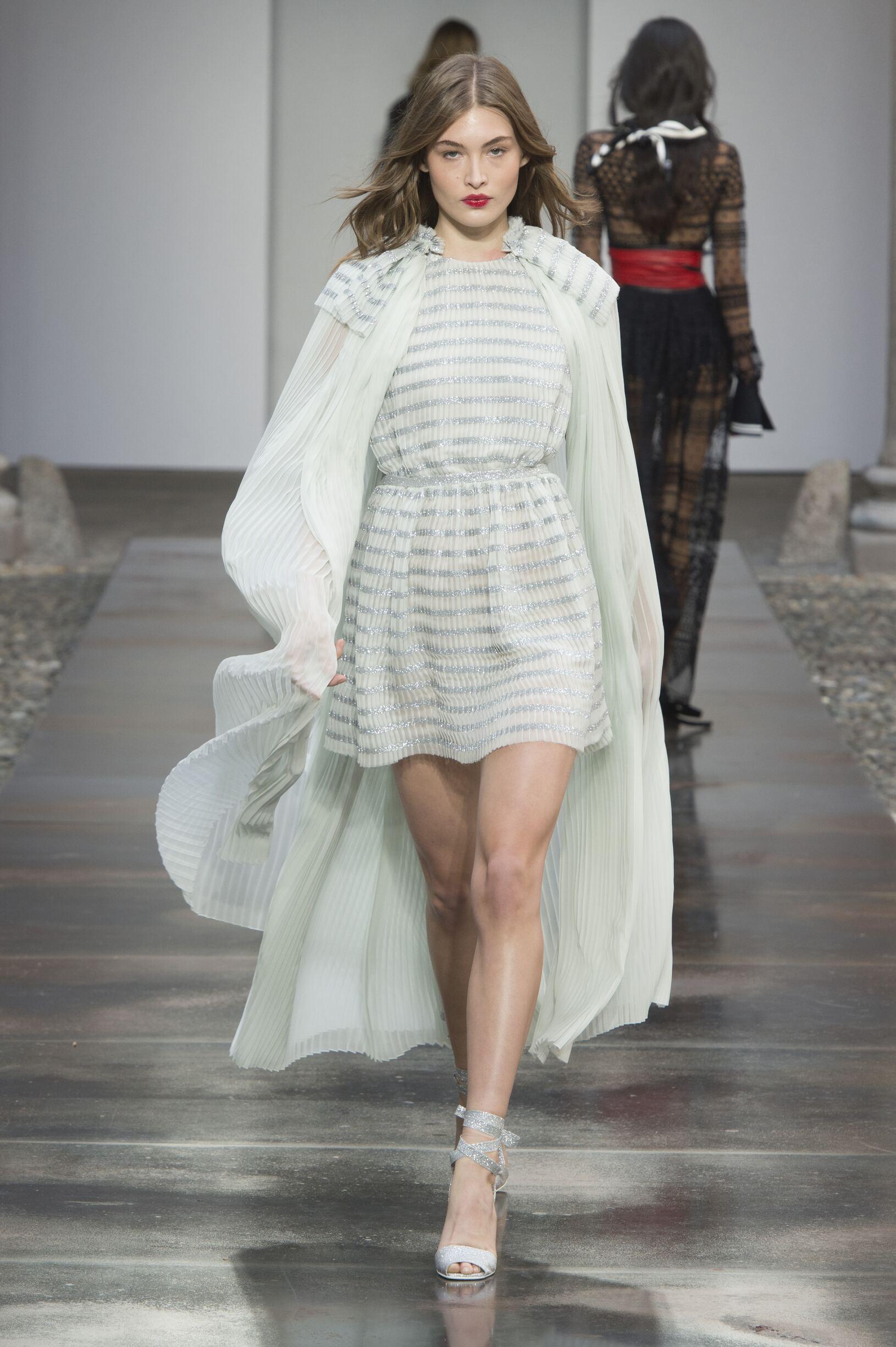 Philosophy di Lorenzo Serafini 2018 Milan Women Trends