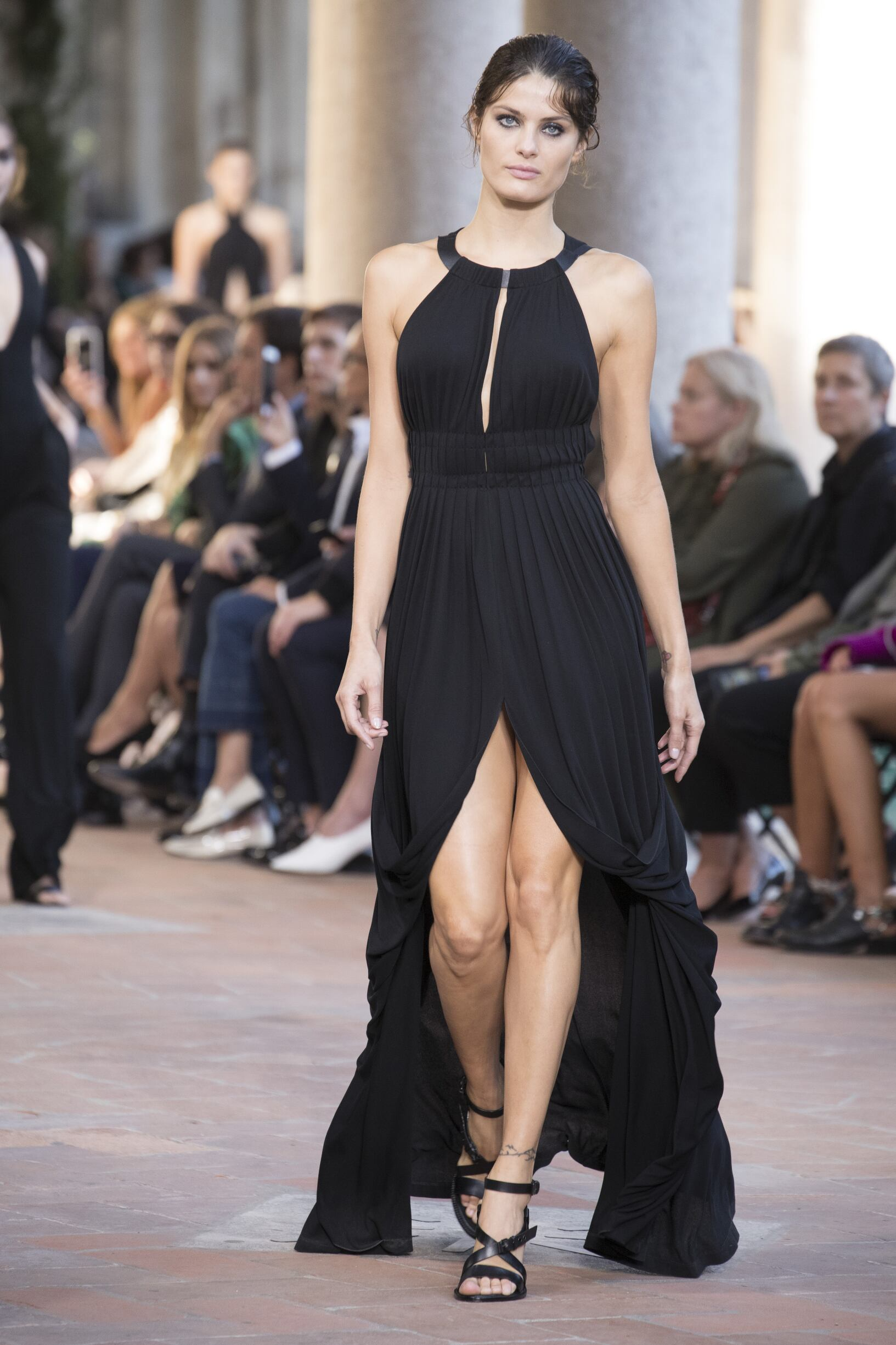 Runway Alberta Ferretti Spring Summer 2018 Women's Collection Milan Fashion Week