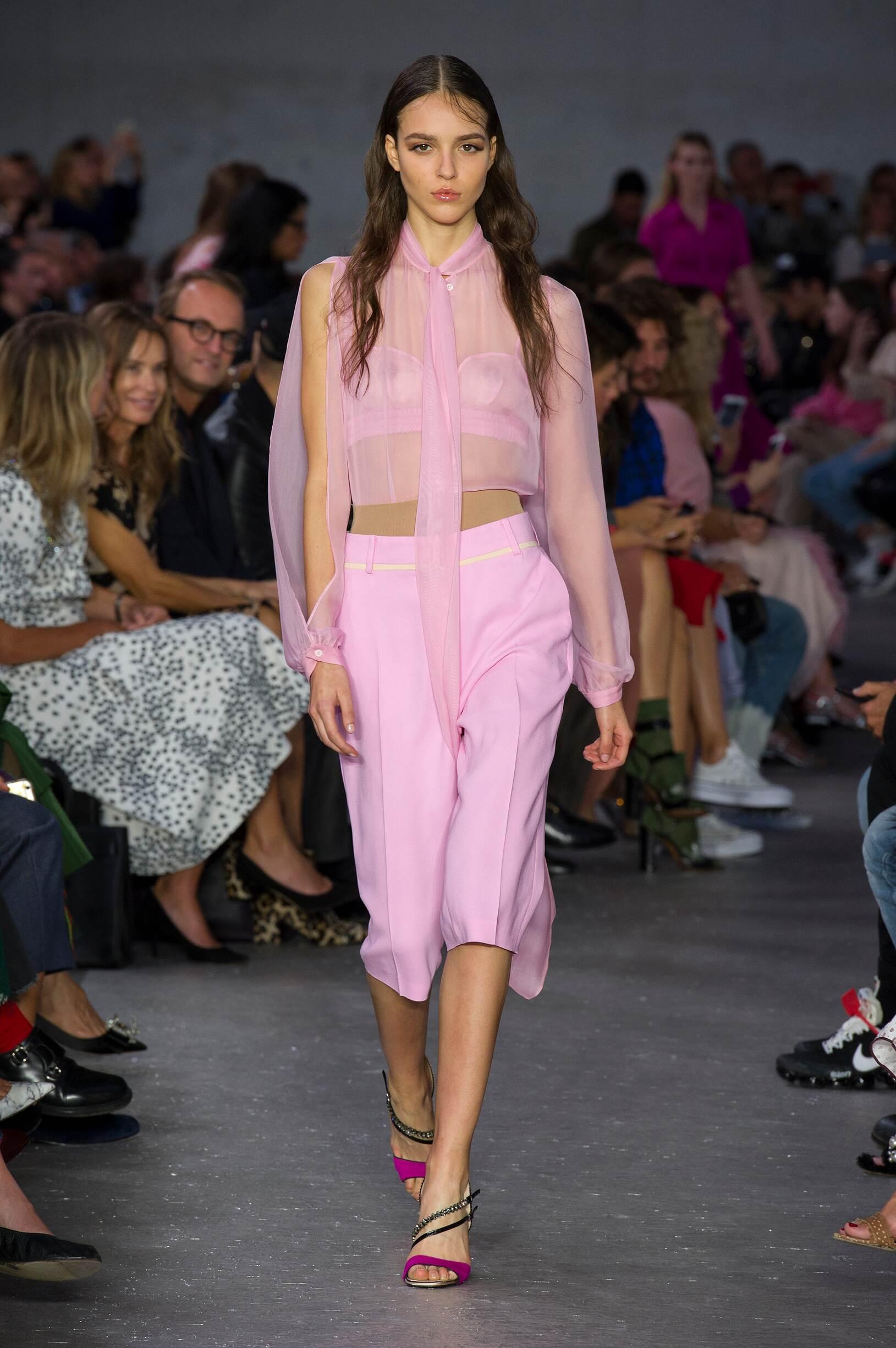 Runway N°21 Spring Summer 2018 Women's Collection Milan Fashion Week