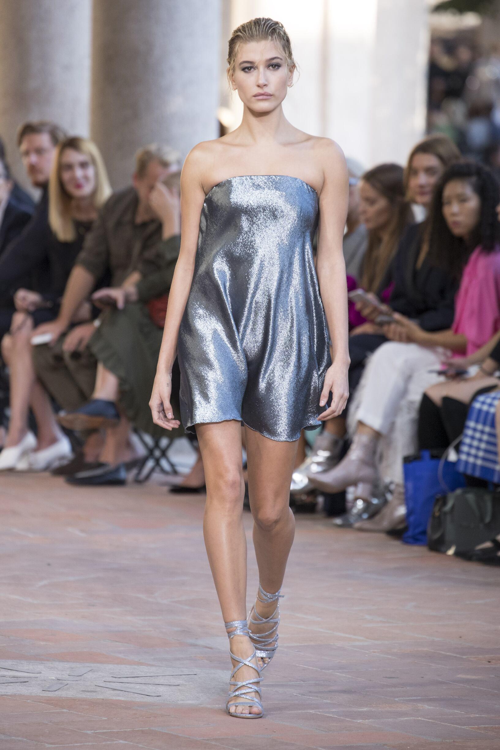 SS 2018 Alberta Ferretti Fashion Show Milan