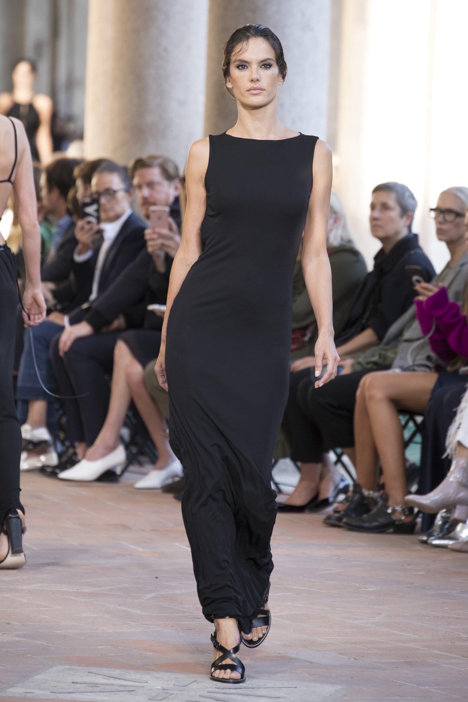 Spring 2018 Fashion Trends Alberta Ferretti