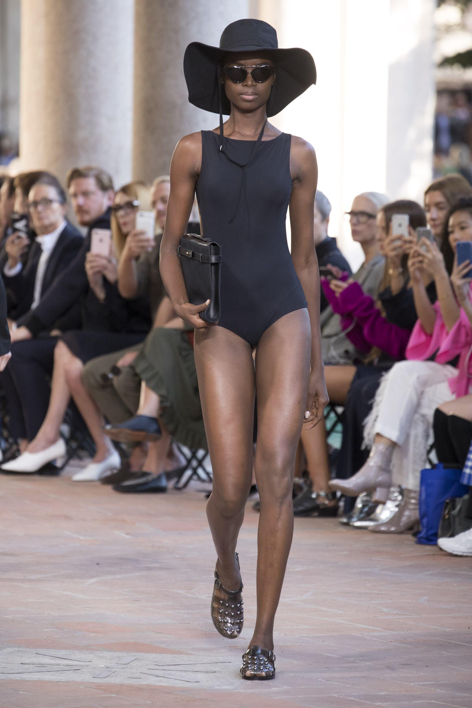 Spring 2018 Womenswear Alberta Ferretti