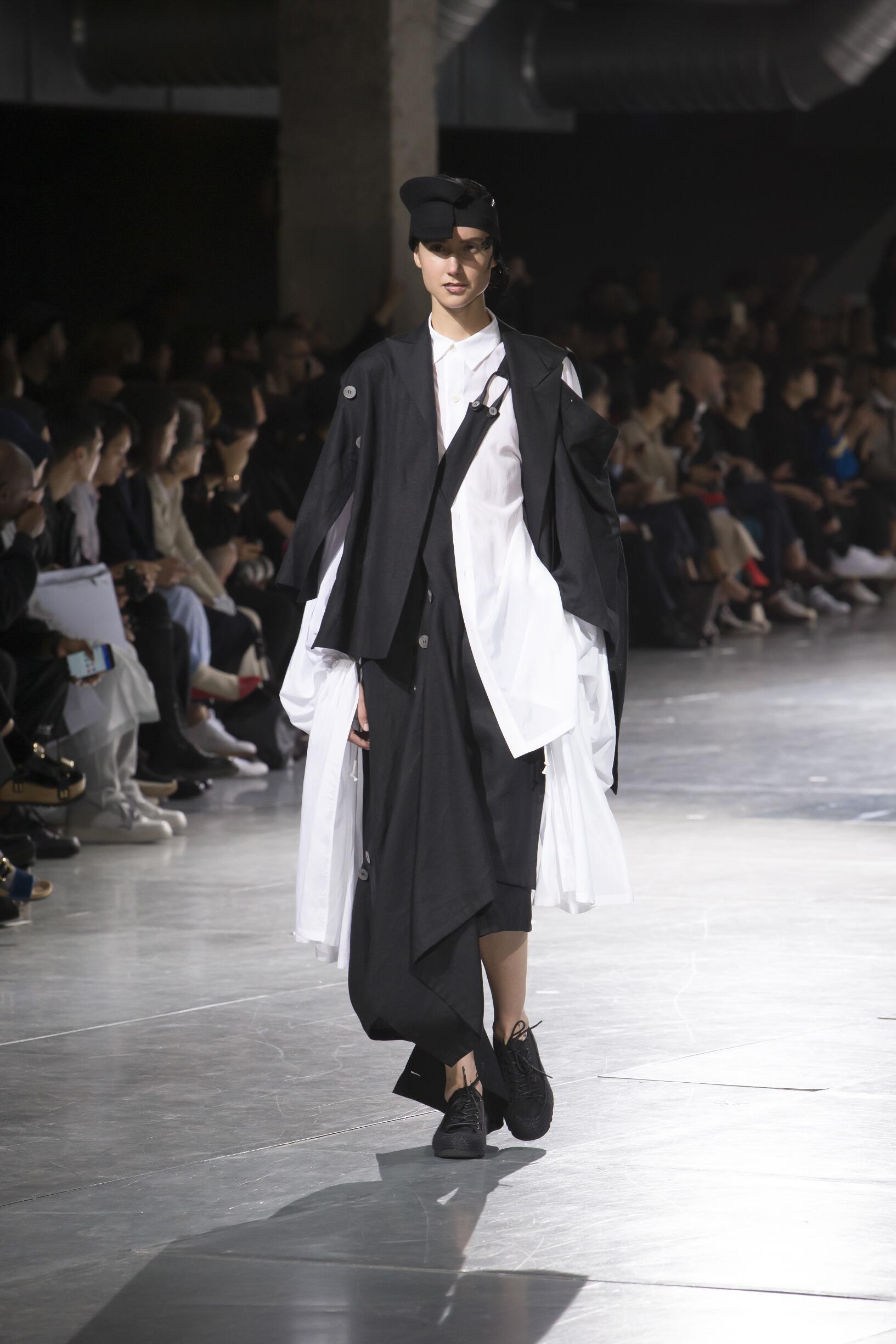 Spring 2018 Womenswear Yohji Yamamoto