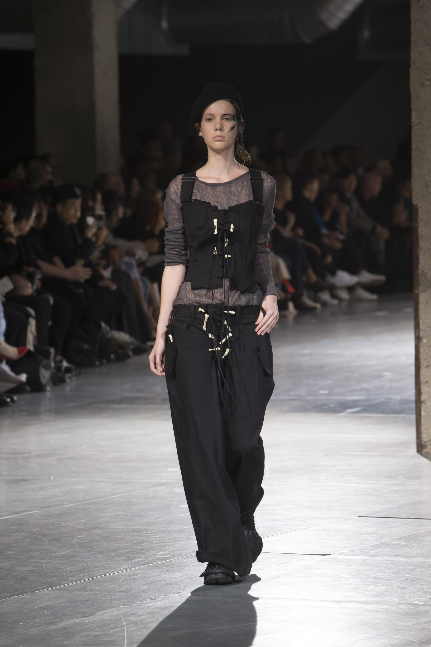 Spring Summer 2018 Woman Paris Yohji Yamamoto Collection