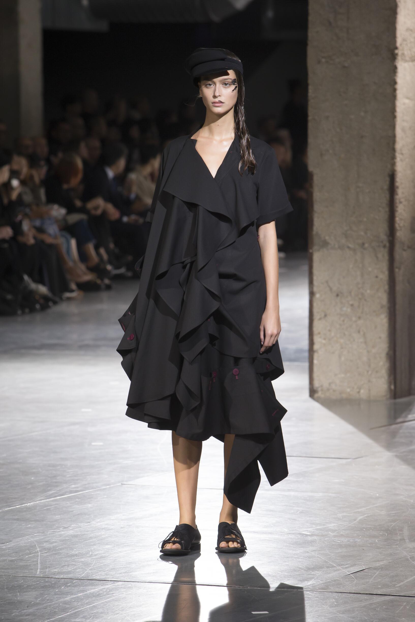 Summer 2018 Woman Trends Yohji Yamamoto