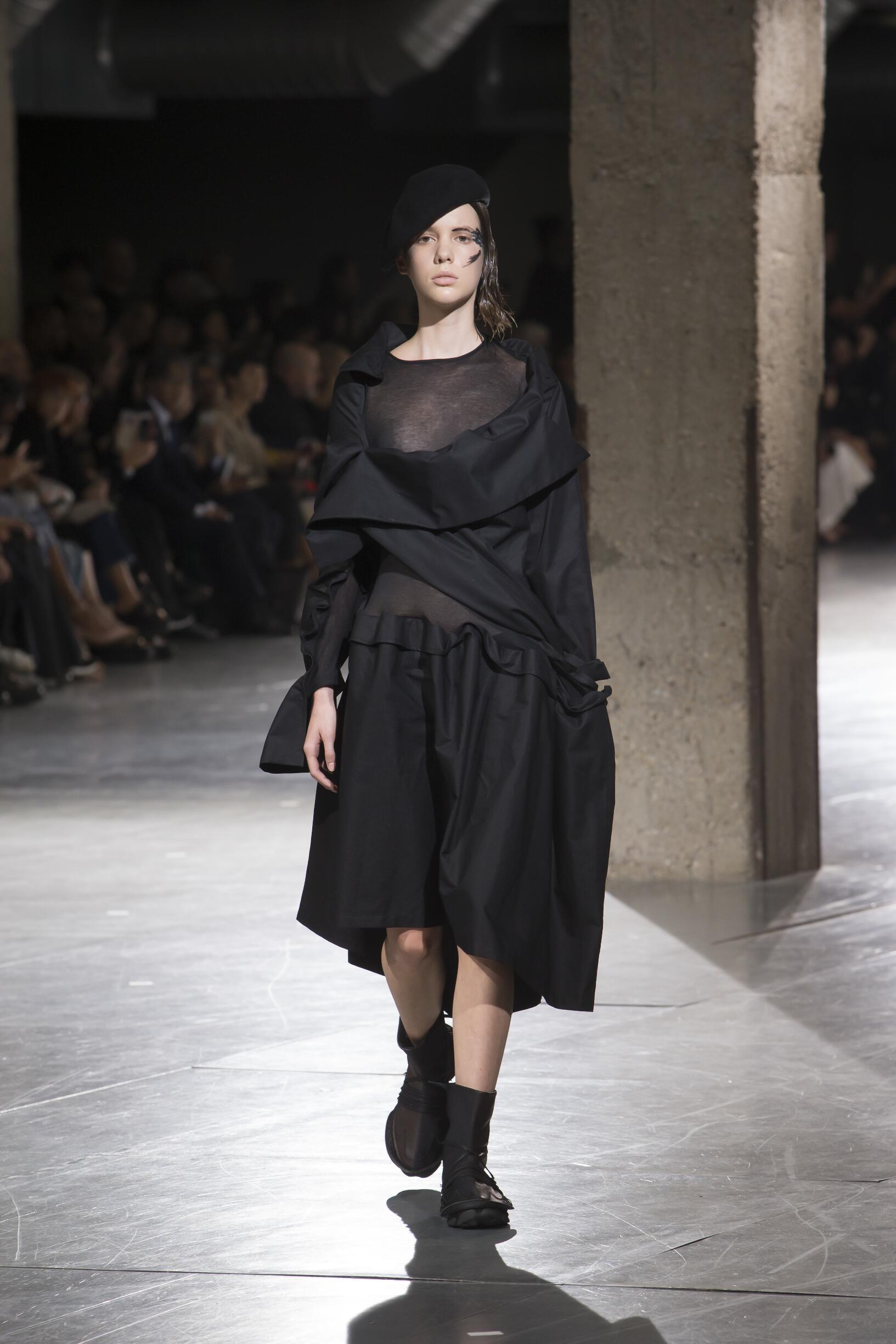 Yohji Yamamoto SS 2018 Womenswear