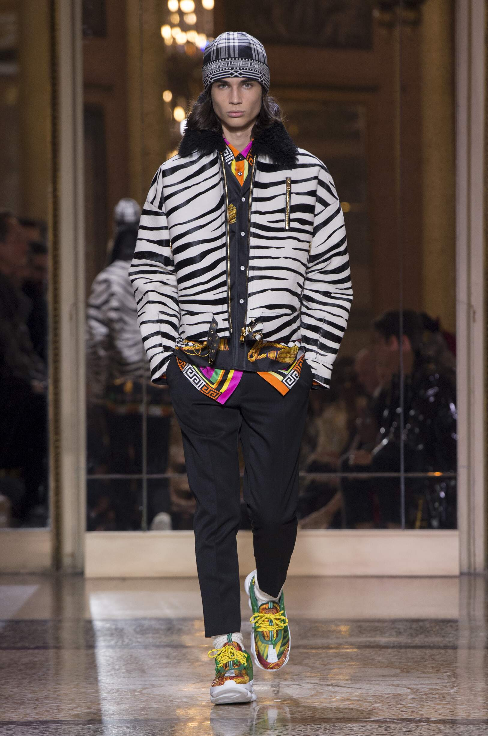 2018 Catwalk Versace Man Fashion Show Winter