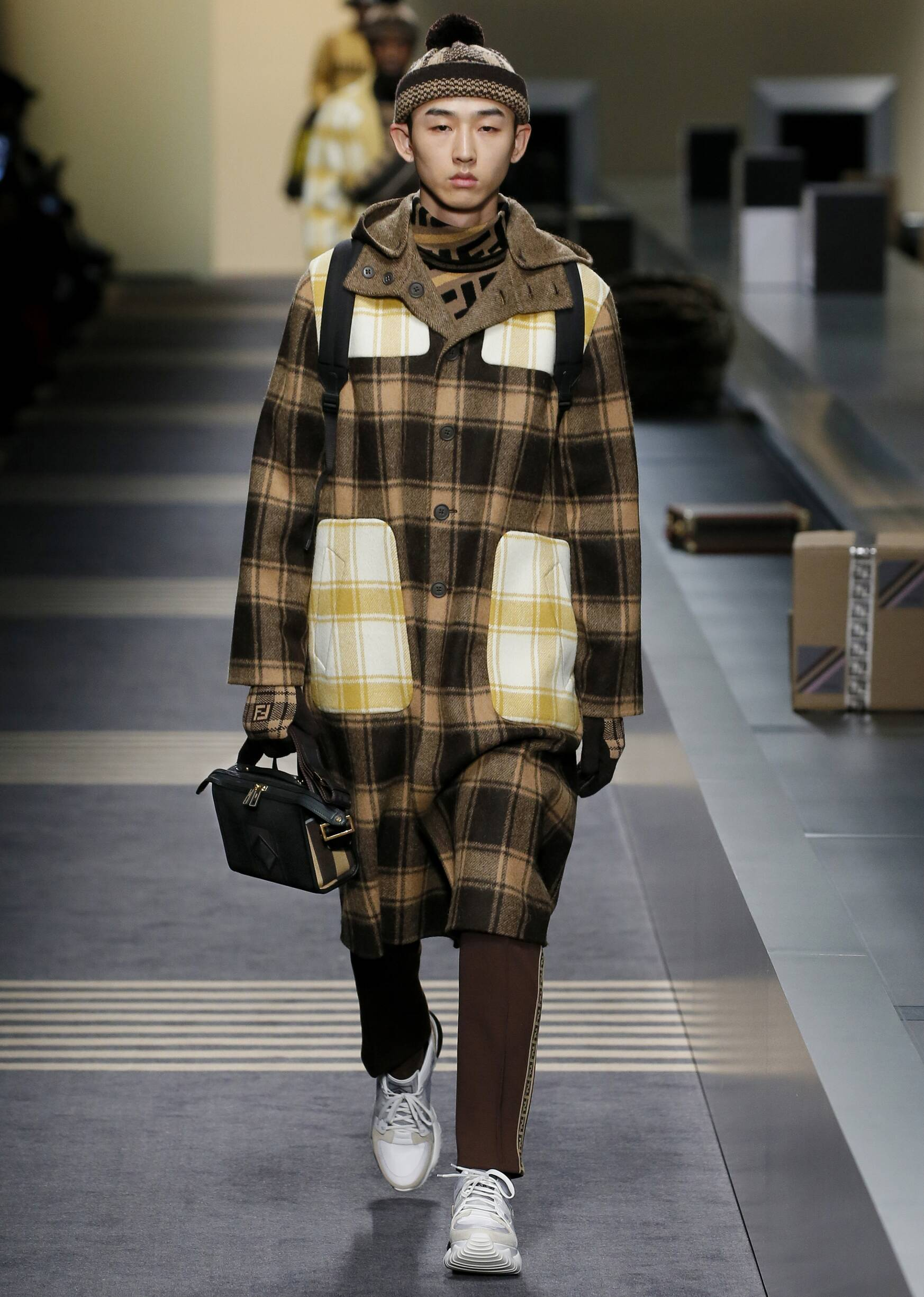 Catwalk Fendi Man Fashion Show Winter 2018
