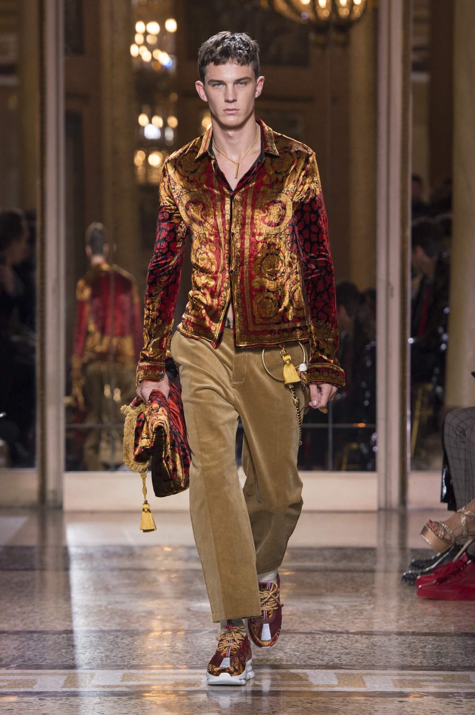 Fall 2018 19 Menswear Versace