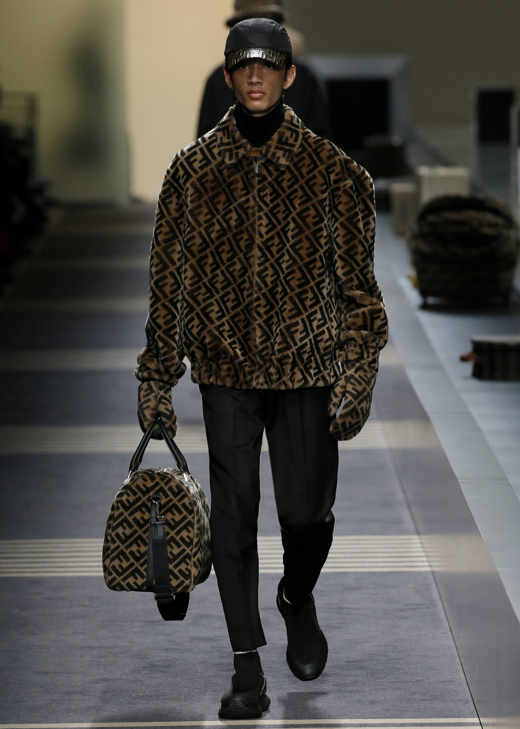 Man FW 2018-19 Fashion Show Fendi