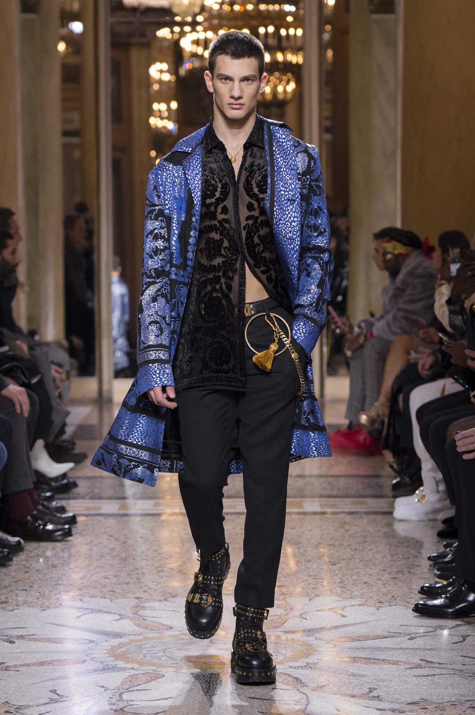 Man FW 2018 19 Versace Fashion Show Milan
