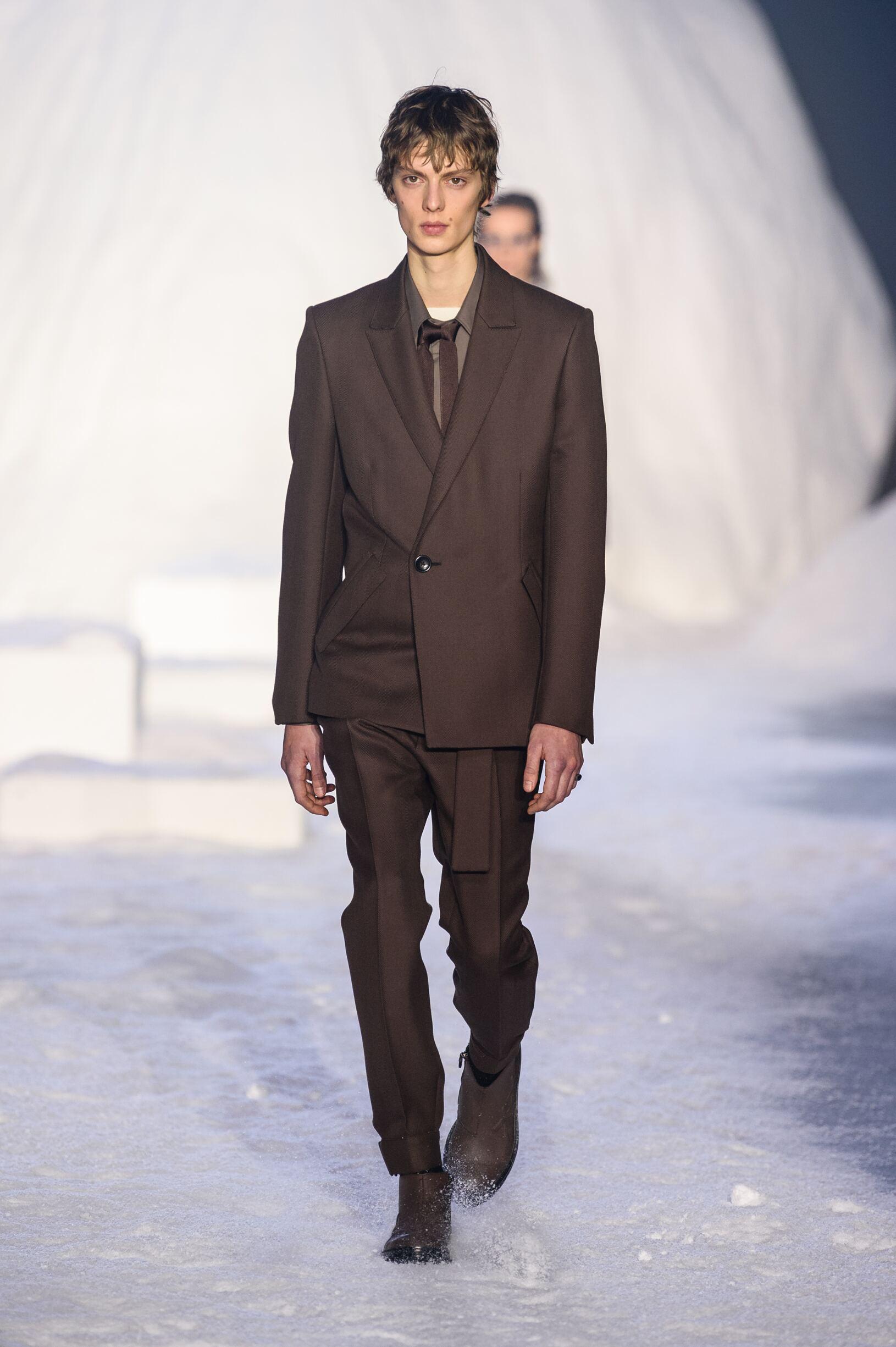 Model Fashion Show Ermenegildo Zegna Couture