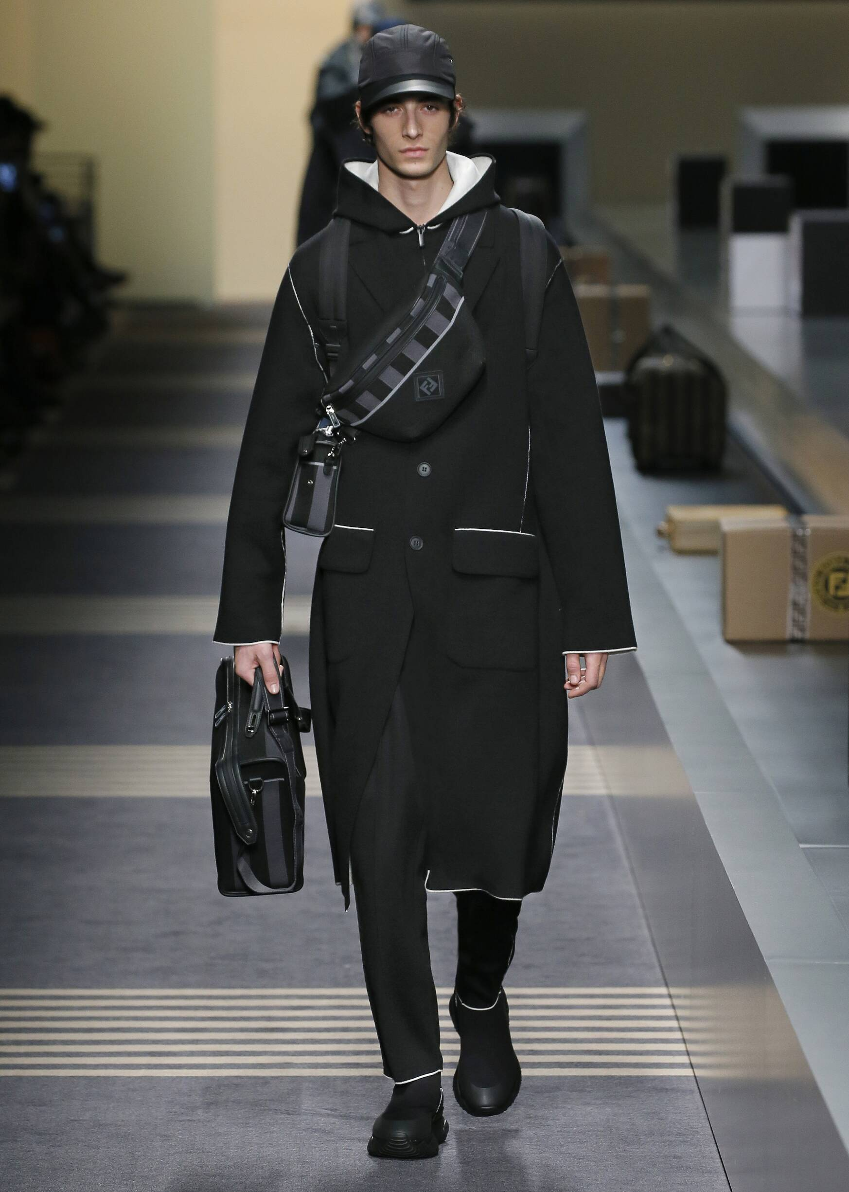 Runway Fendi Fall Winter 2018 Men's Collection Milan Fashion Week