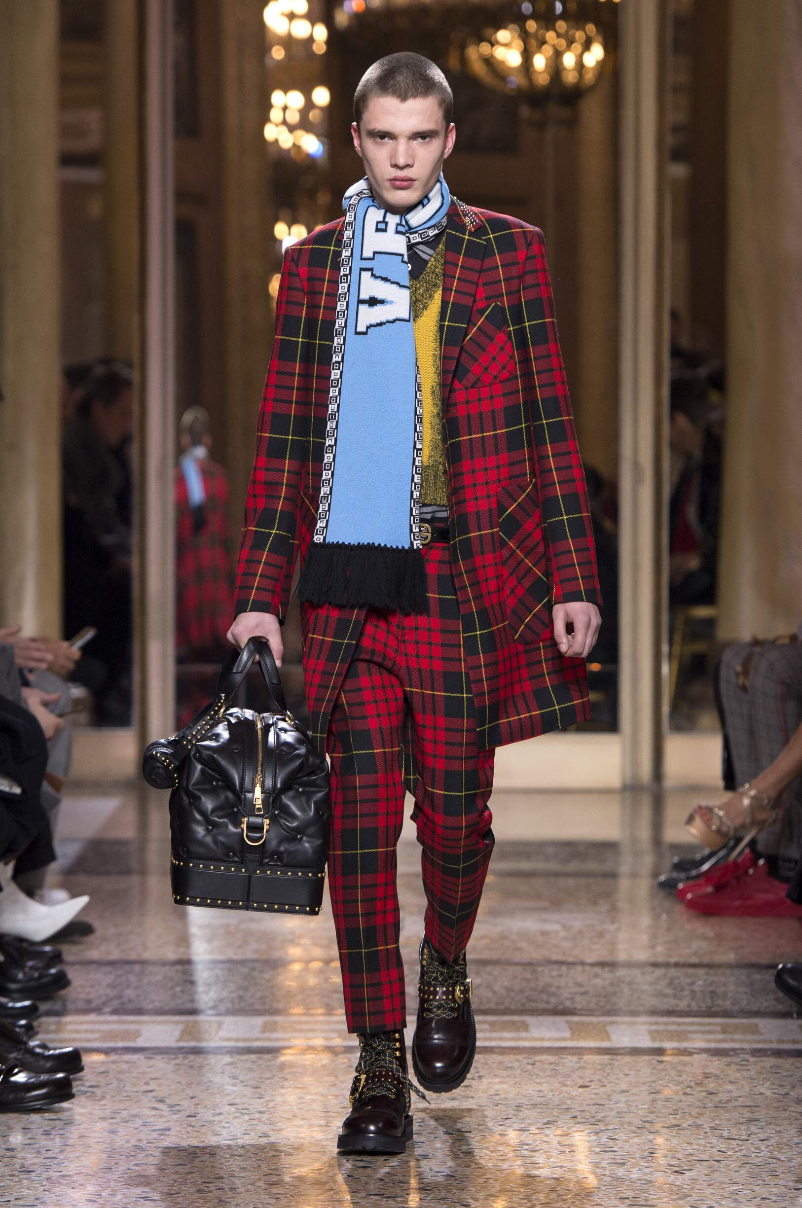 Versace Fall Winter 2018 Mens Collection Milan Fashion Week