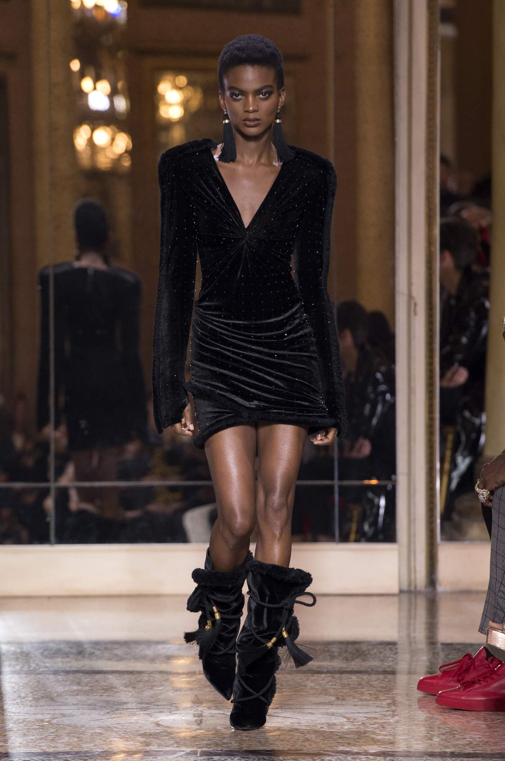 Woman Fashion Show Versace