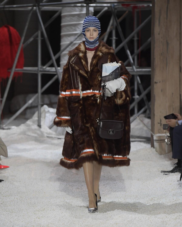 2018 Calvin Klein 205W39NYC Womenswear Winter Catwalk