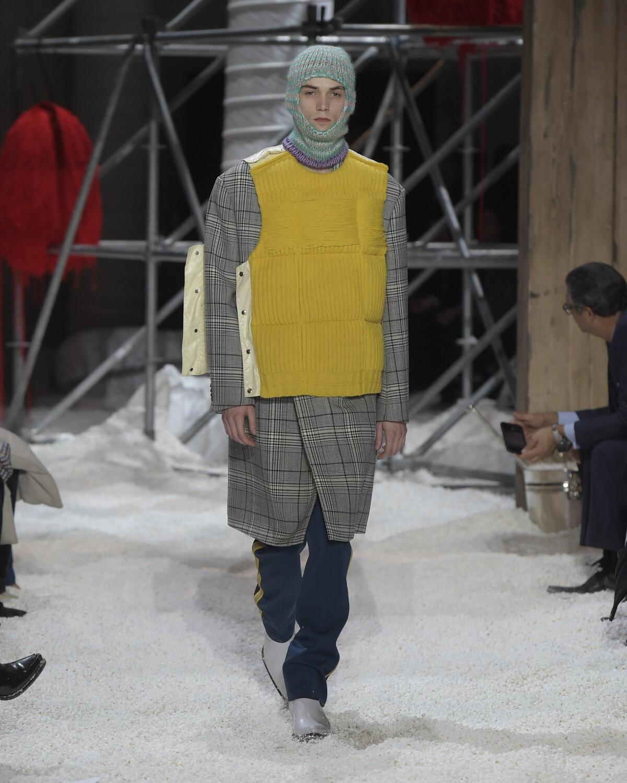 2018 Catwalk Calvin Klein 205W39NYC Man Fashion Show Winter