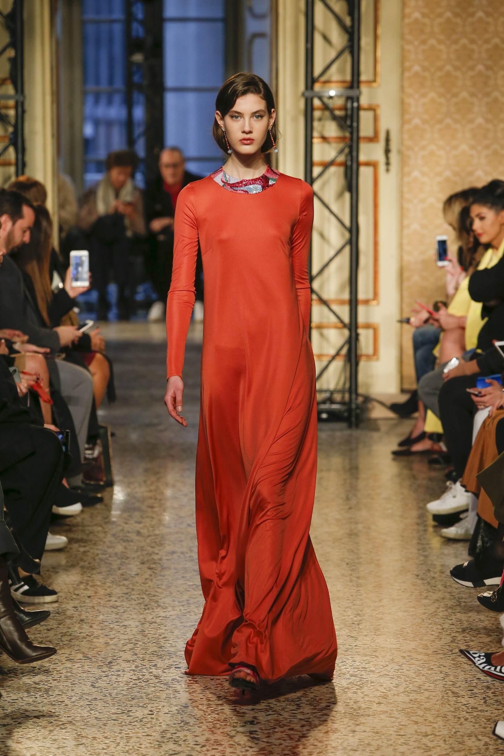 2018 Catwalk Emilio Pucci Woman Fashion Show Winter