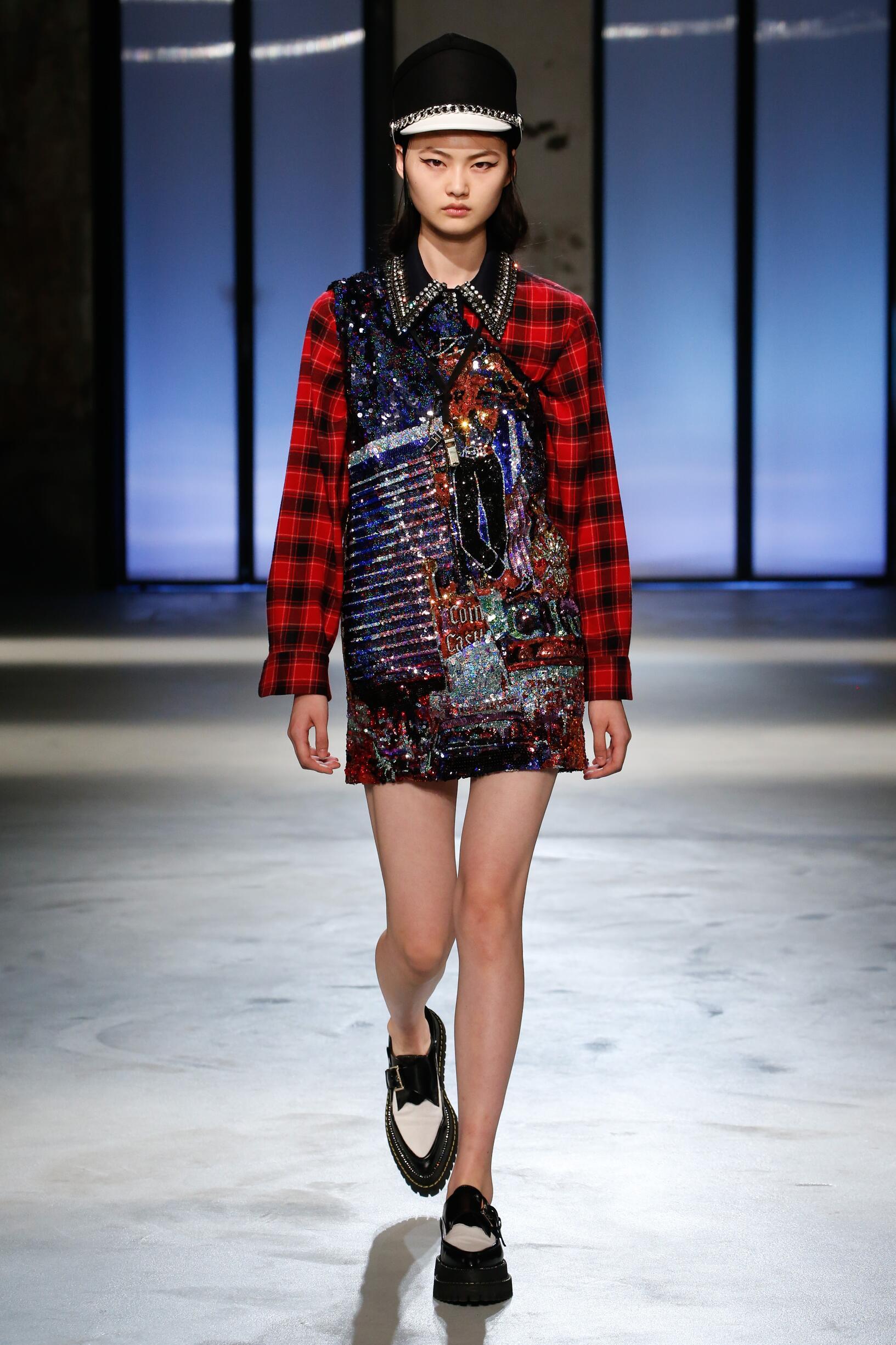 2018 Catwalk N°21 Woman Fashion Show Winter