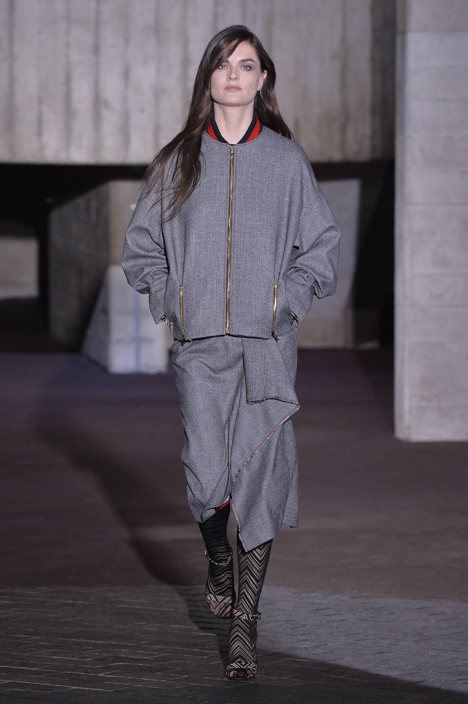 2018 Roland Mouret Fall Winter Woman